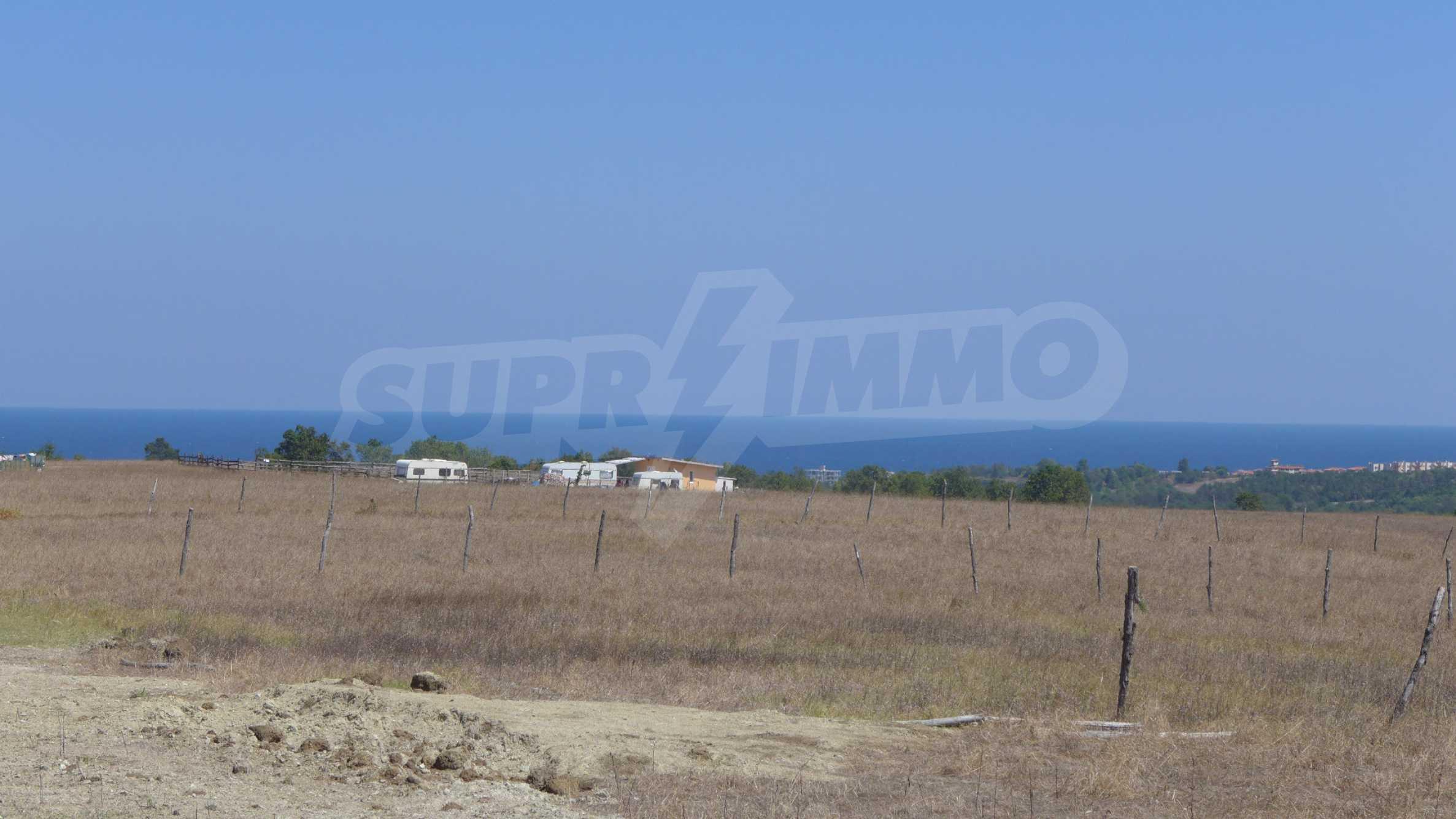Geregeltes Grundstück in der Nähe des Dorfes Lozenets 1