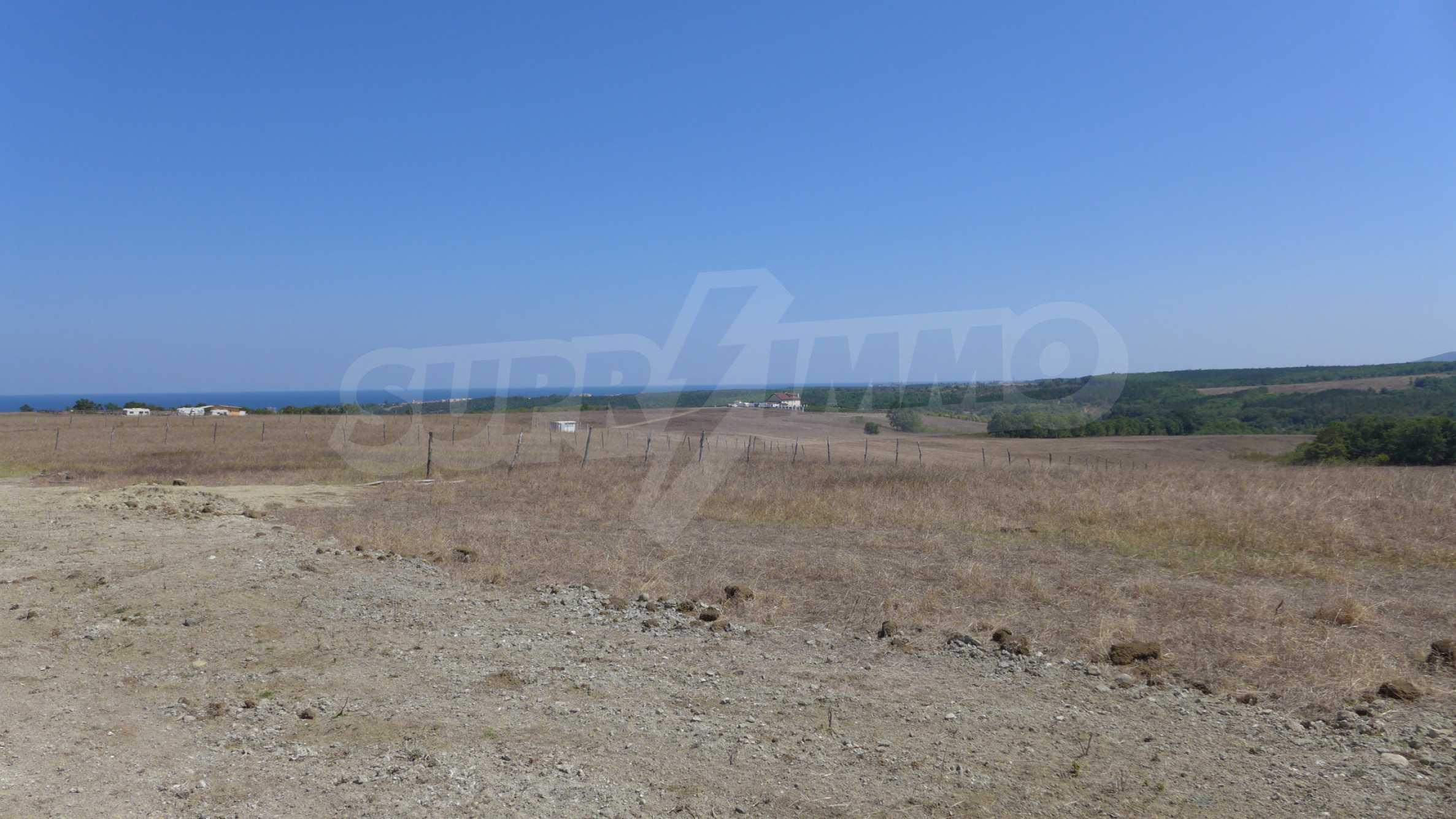 Geregeltes Grundstück in der Nähe des Dorfes Lozenets 6