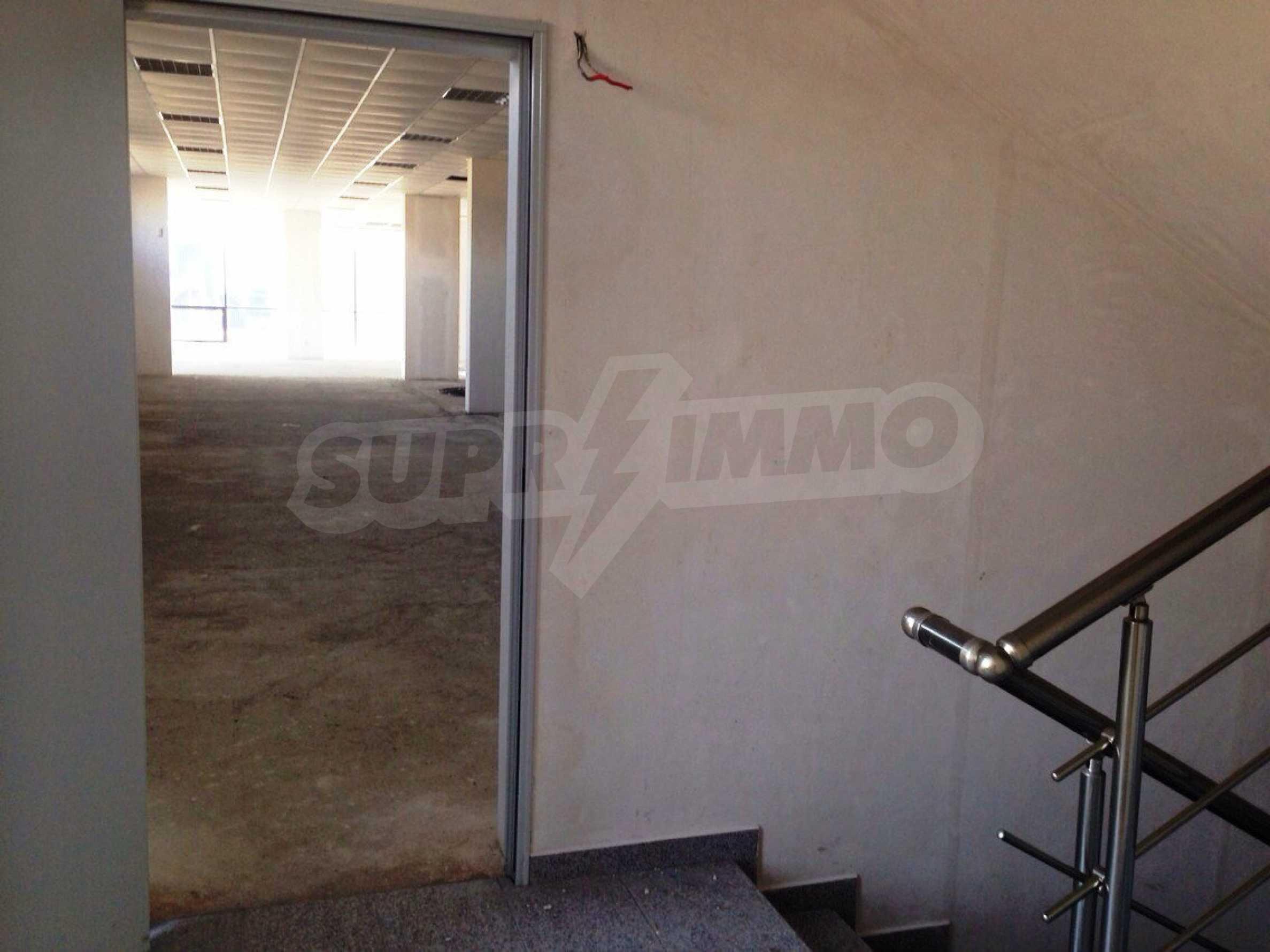Neugebautes Bürogebäude in Blagoevgrad 10