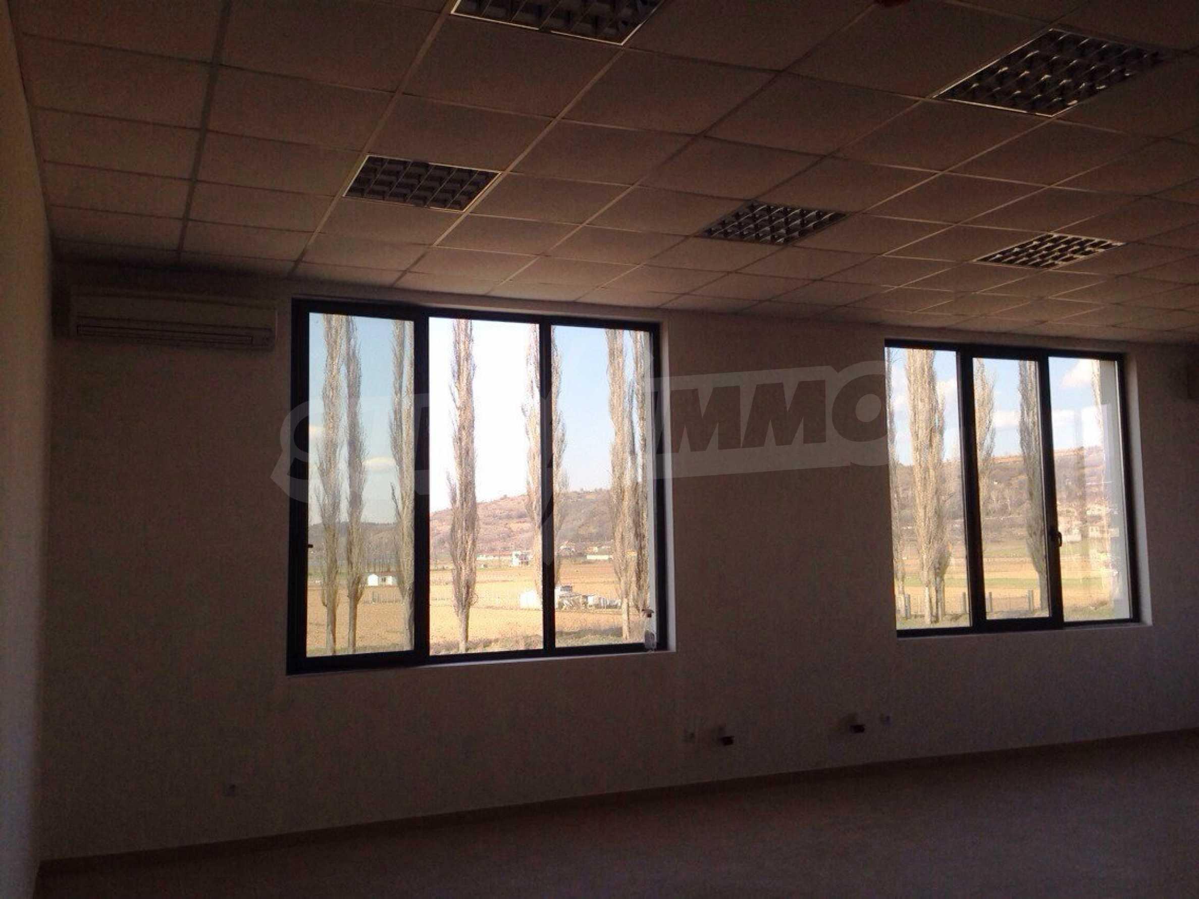 Neugebautes Bürogebäude in Blagoevgrad 17
