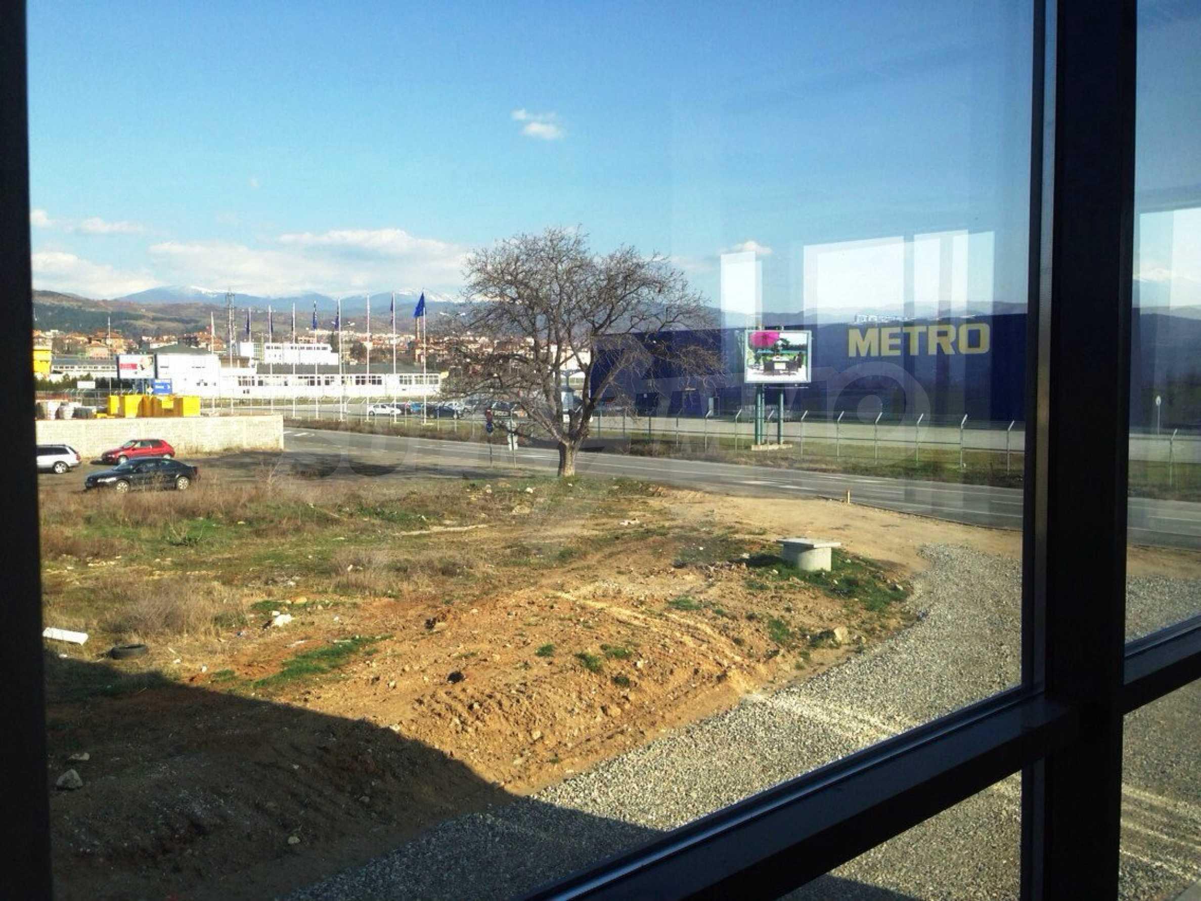 Neugebautes Bürogebäude in Blagoevgrad 26