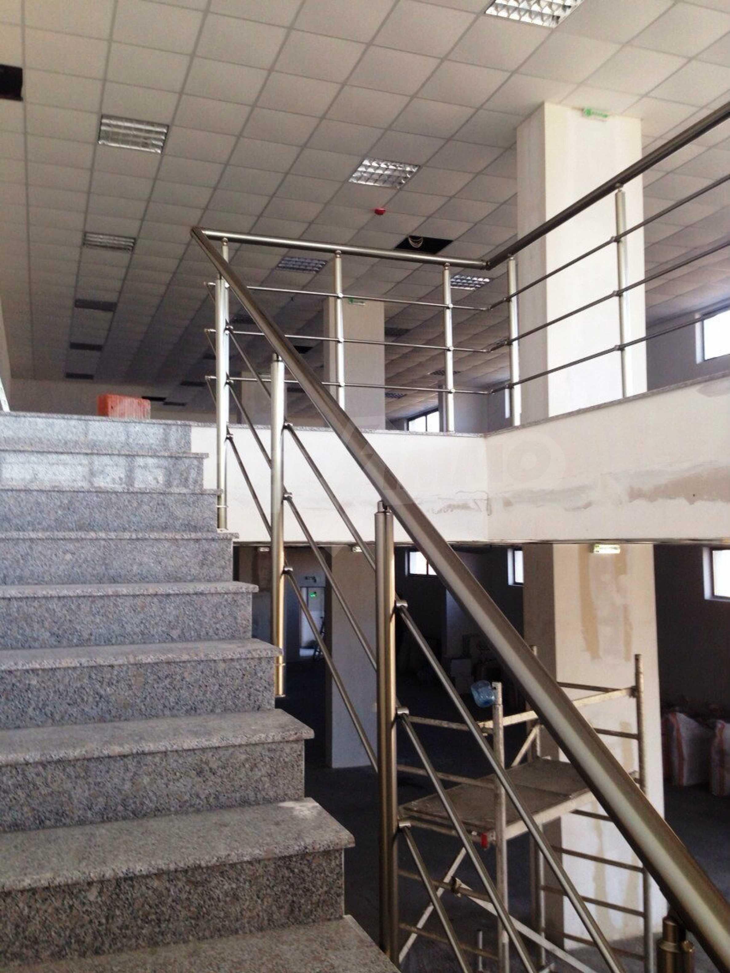 Neugebautes Bürogebäude in Blagoevgrad 28