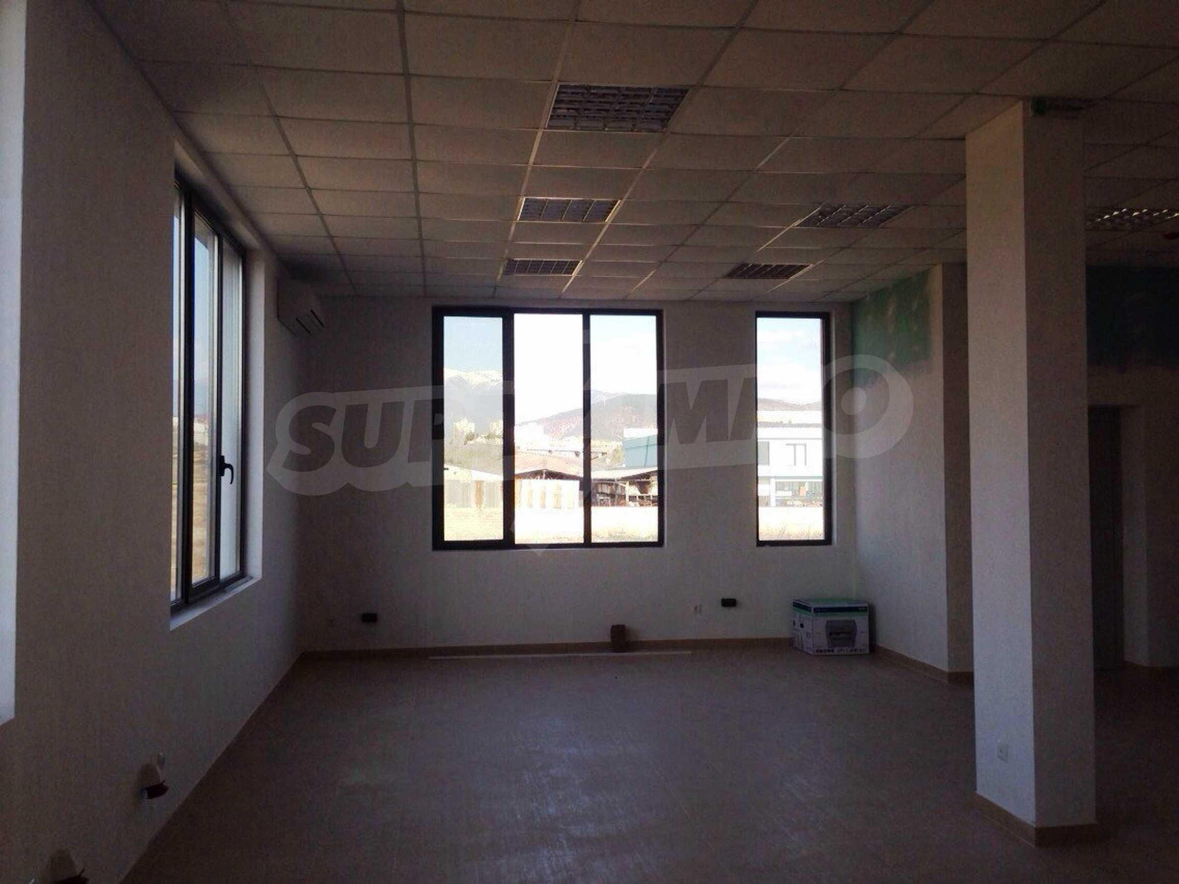 Neugebautes Bürogebäude in Blagoevgrad 30