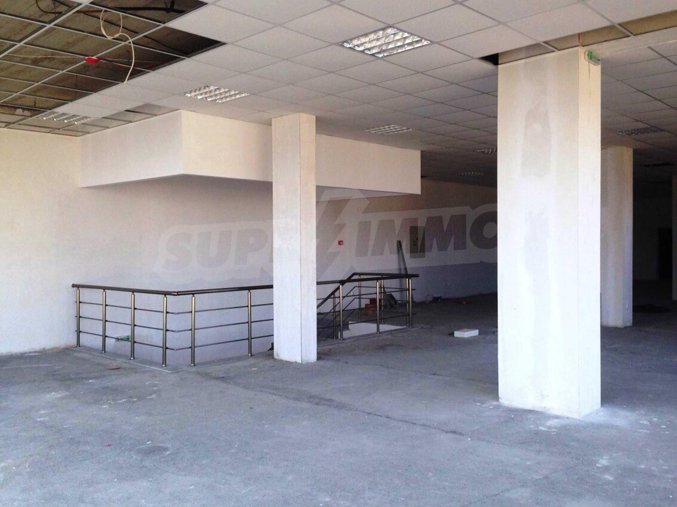 Neugebautes Bürogebäude in Blagoevgrad 7