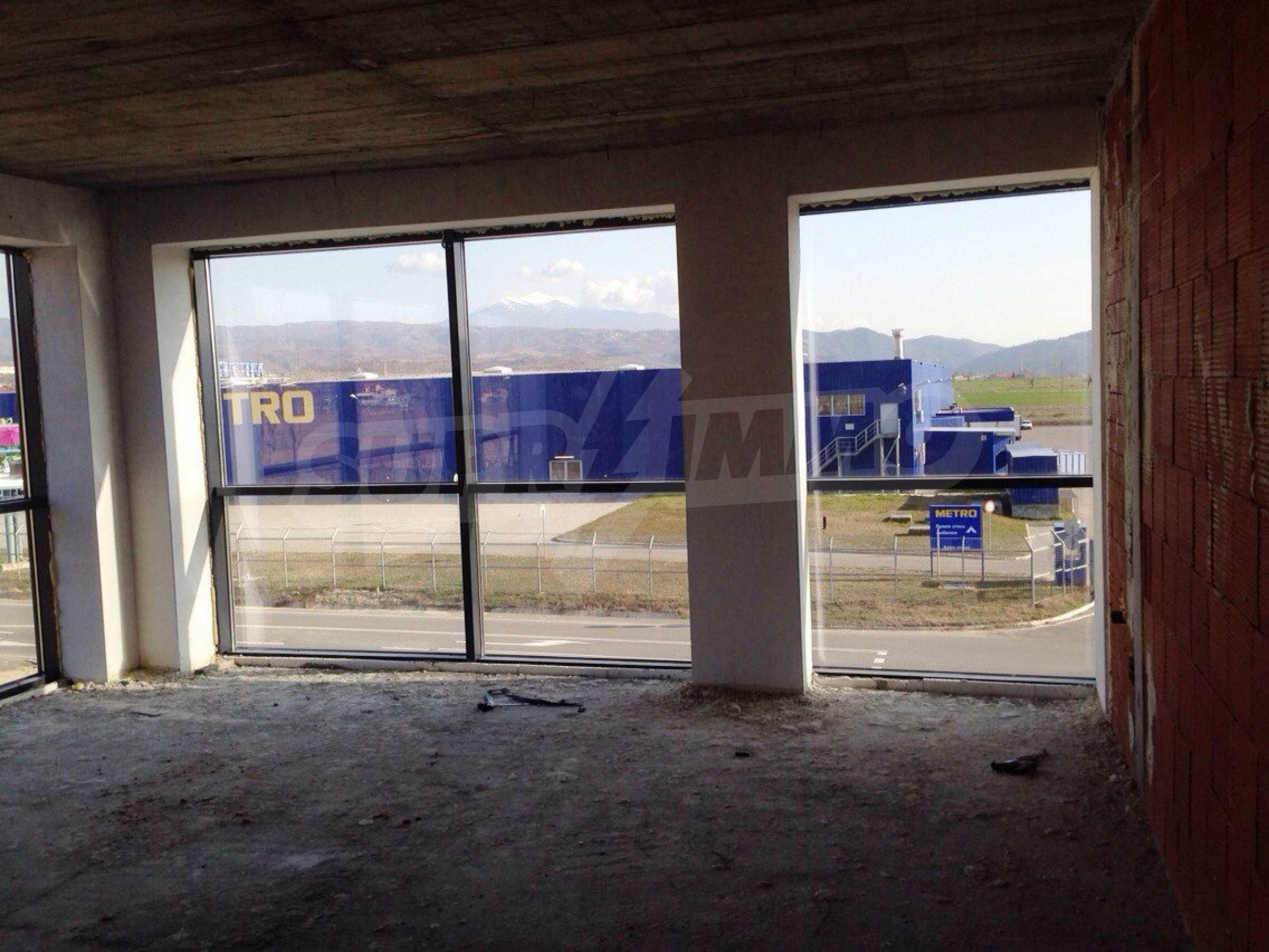 Neugebautes Bürogebäude in Blagoevgrad 8