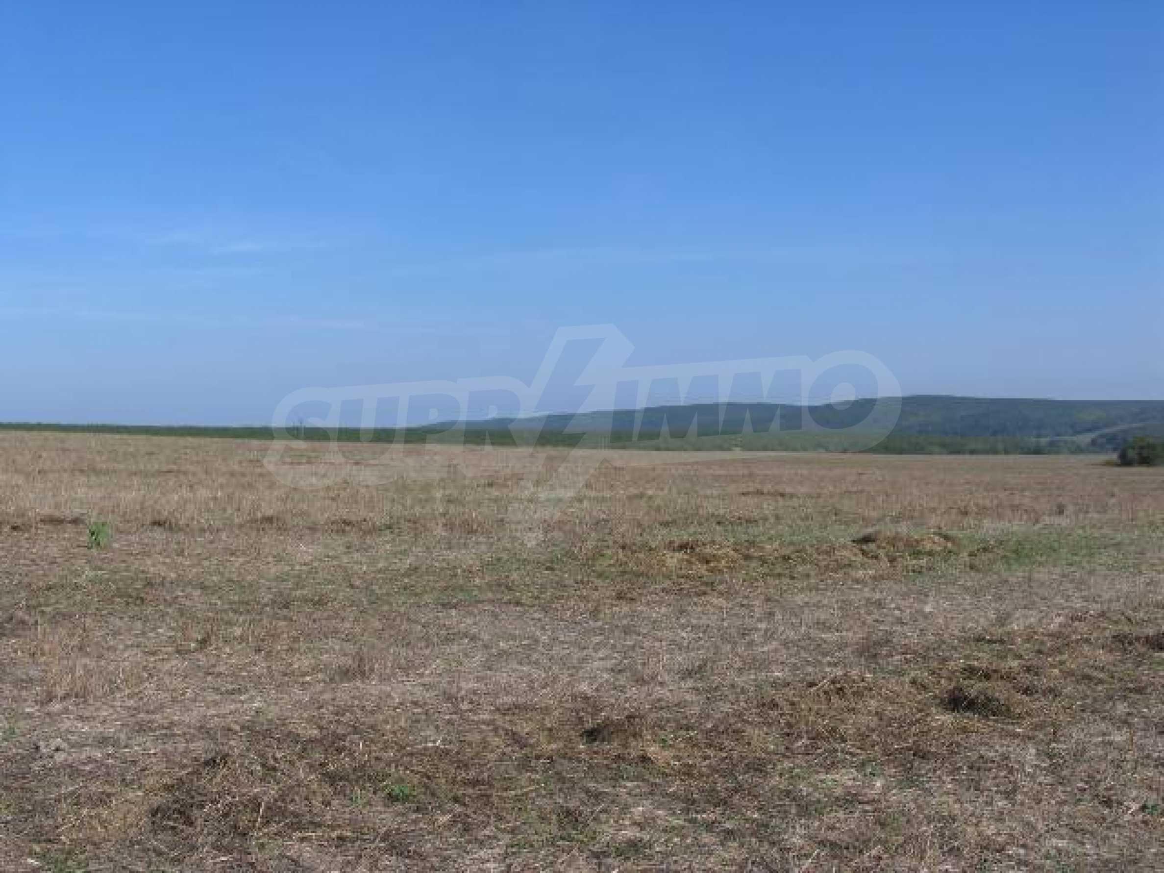 Development land for sale in Rudnik village 4