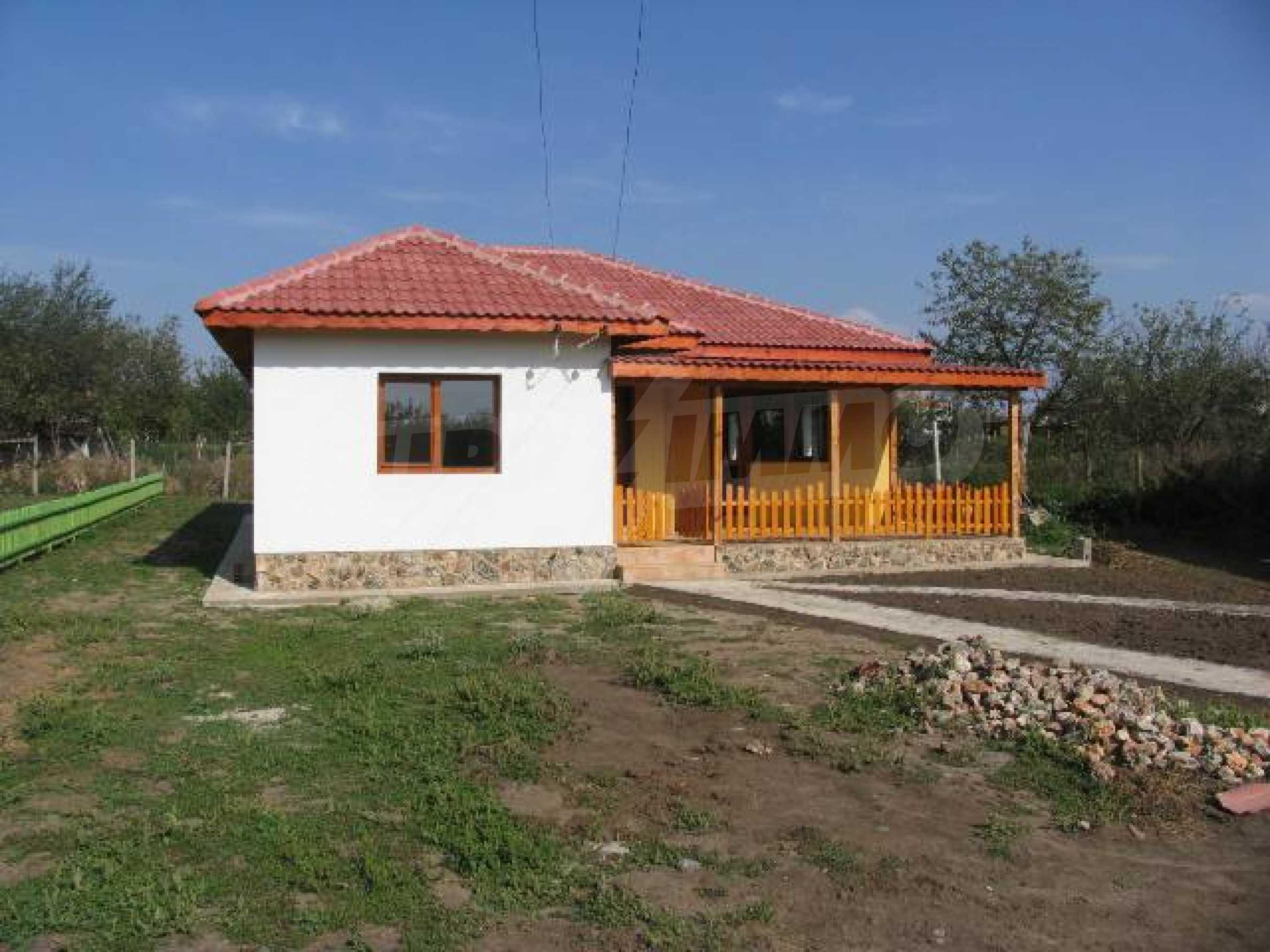 Два дома для продажи в Stefanovo деревне 25 км. от Албена 7