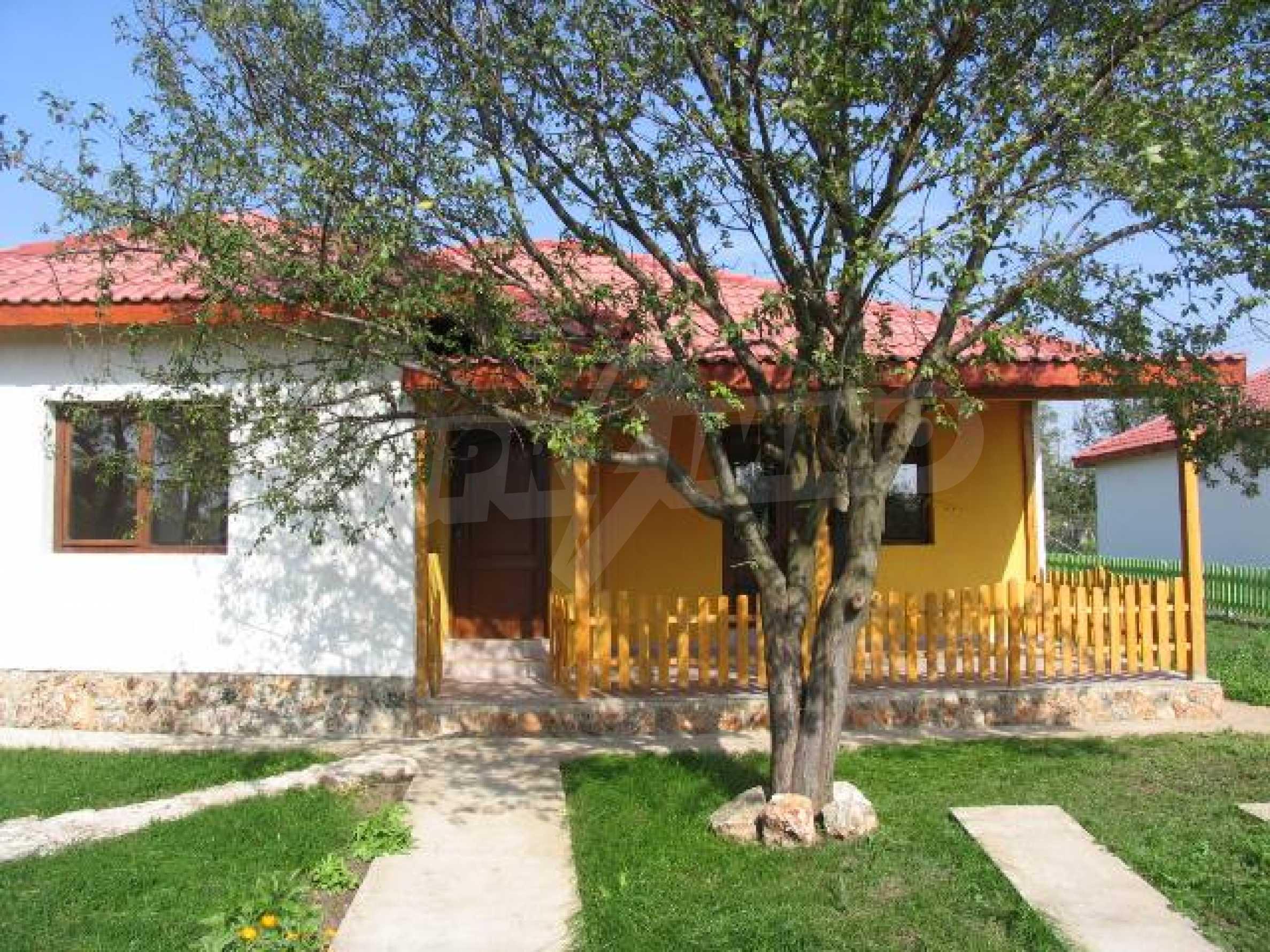 Два дома для продажи в Stefanovo деревне 25 км. от Албена 1