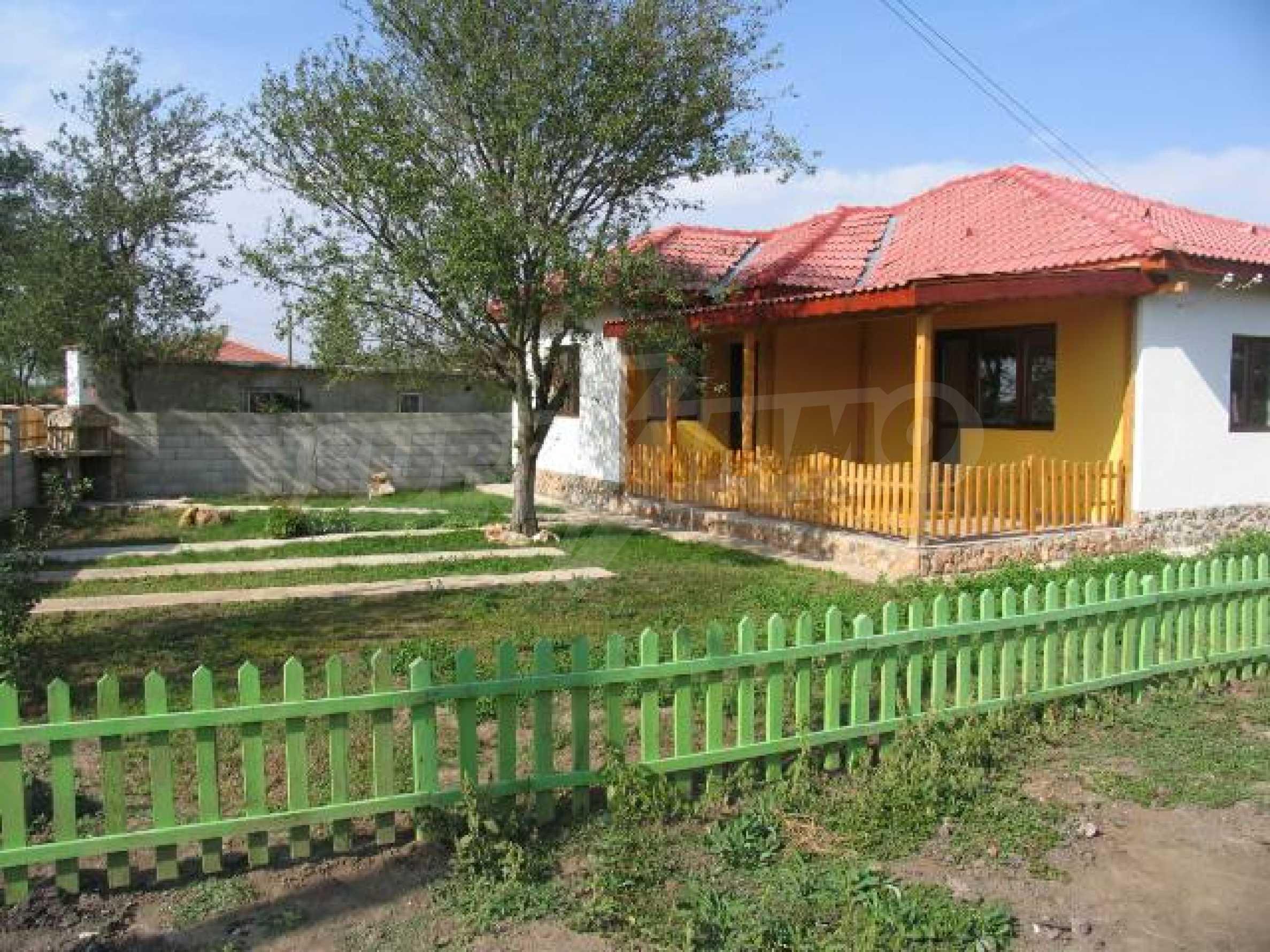 Два дома для продажи в Stefanovo деревне 25 км. от Албена 2