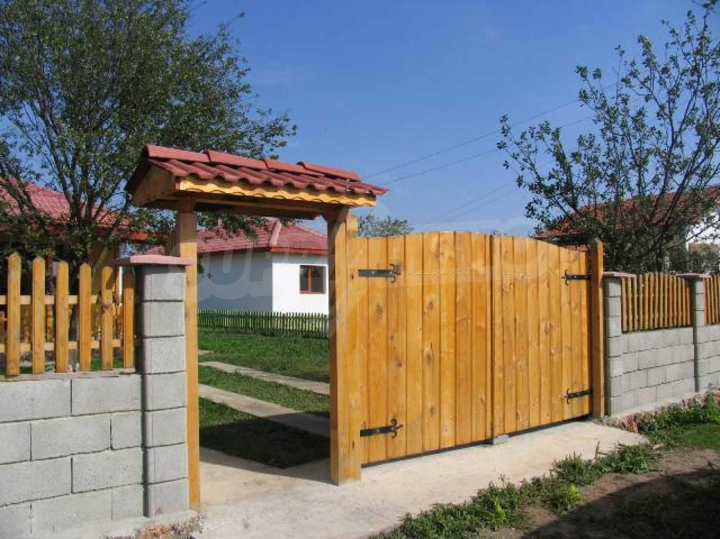 Два дома для продажи в Stefanovo деревне 25 км. от Албена 3
