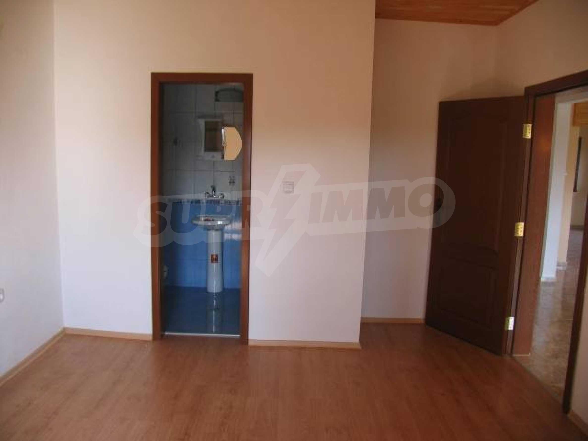 Два дома для продажи в Stefanovo деревне 25 км. от Албена 4