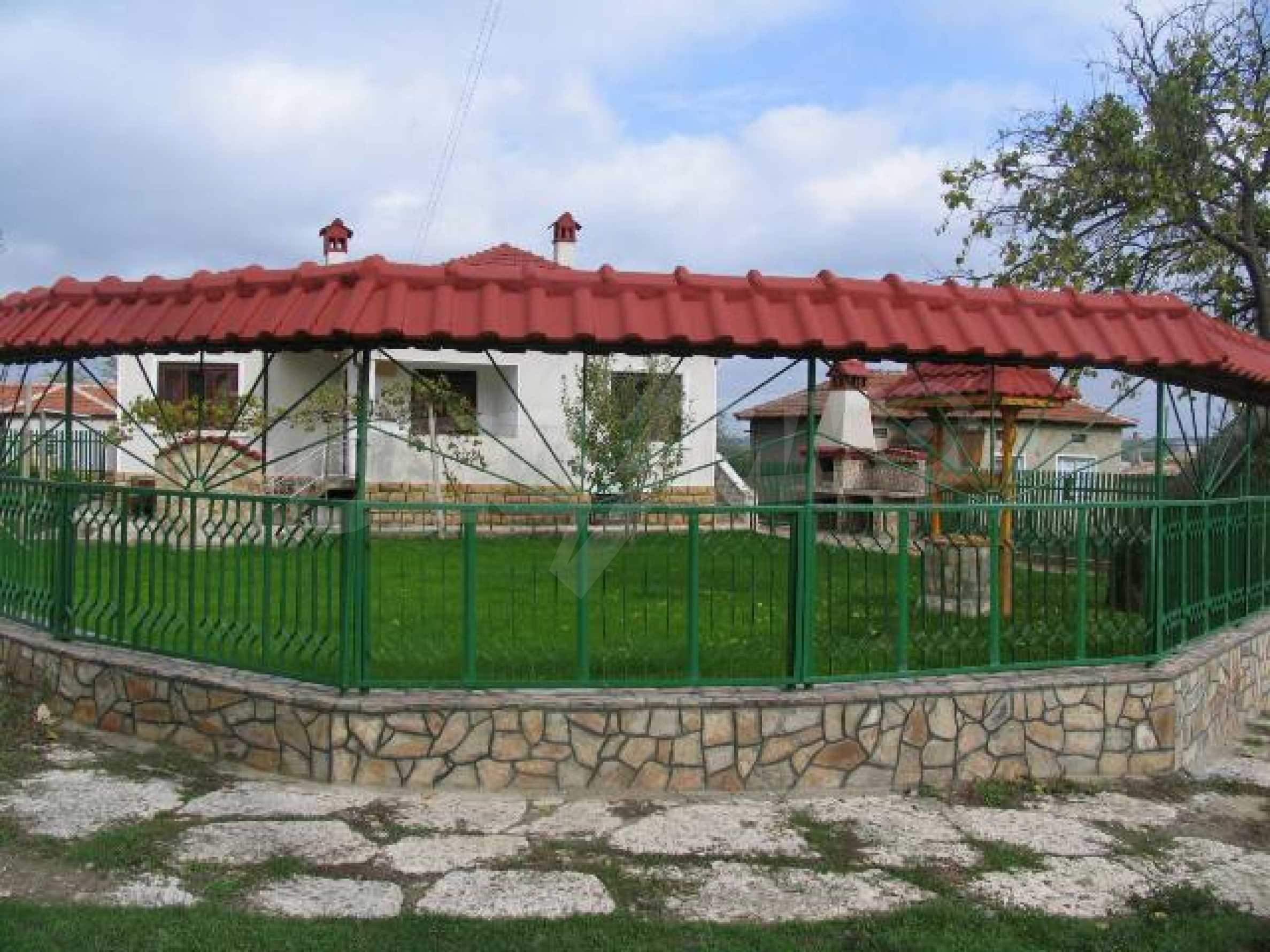 Къща за продажба в с. Козлодуйци на 60 км. от морето 2