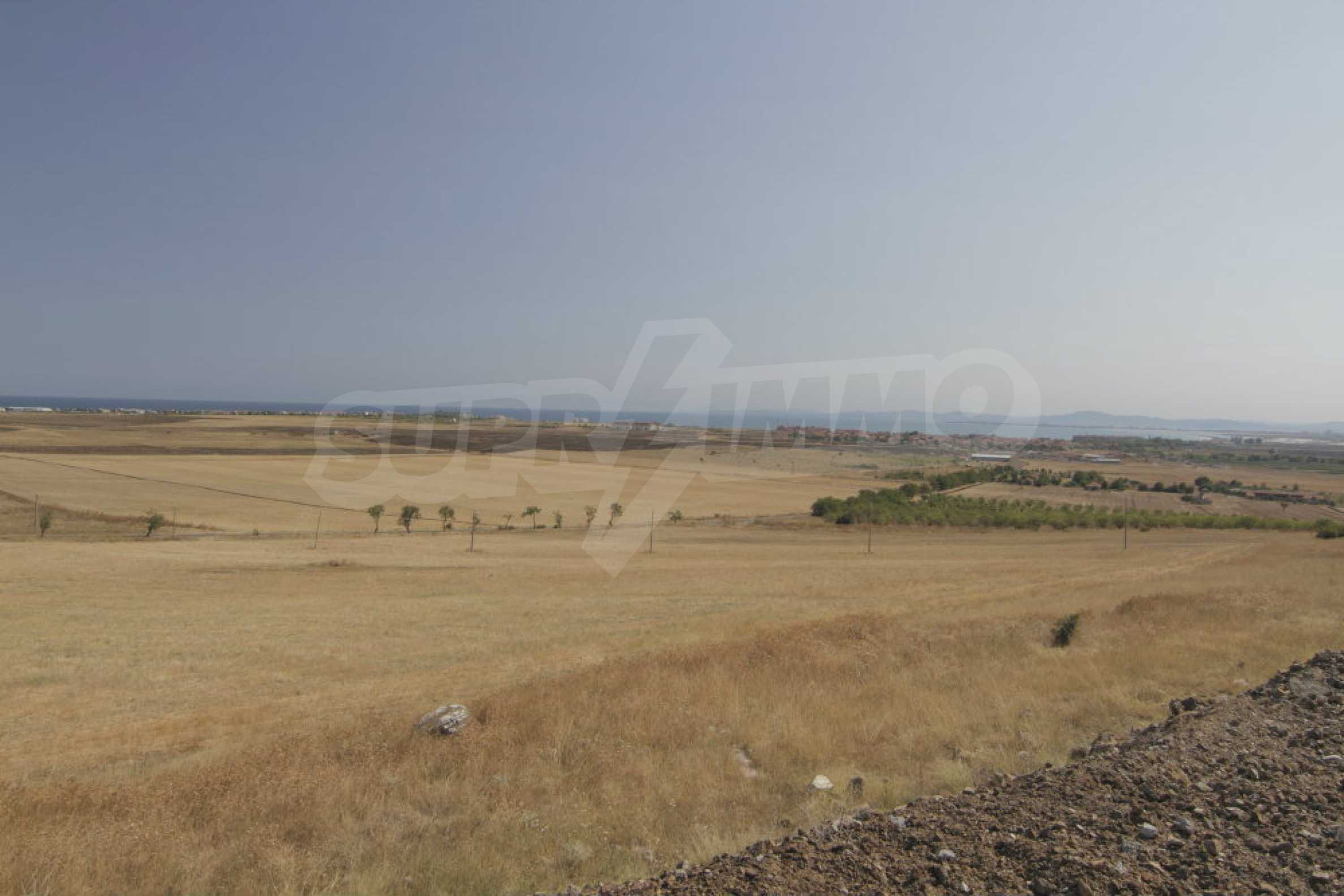 Investment land near the town of Aheloy, a few km from Sunny Beach, Bulgaria 1