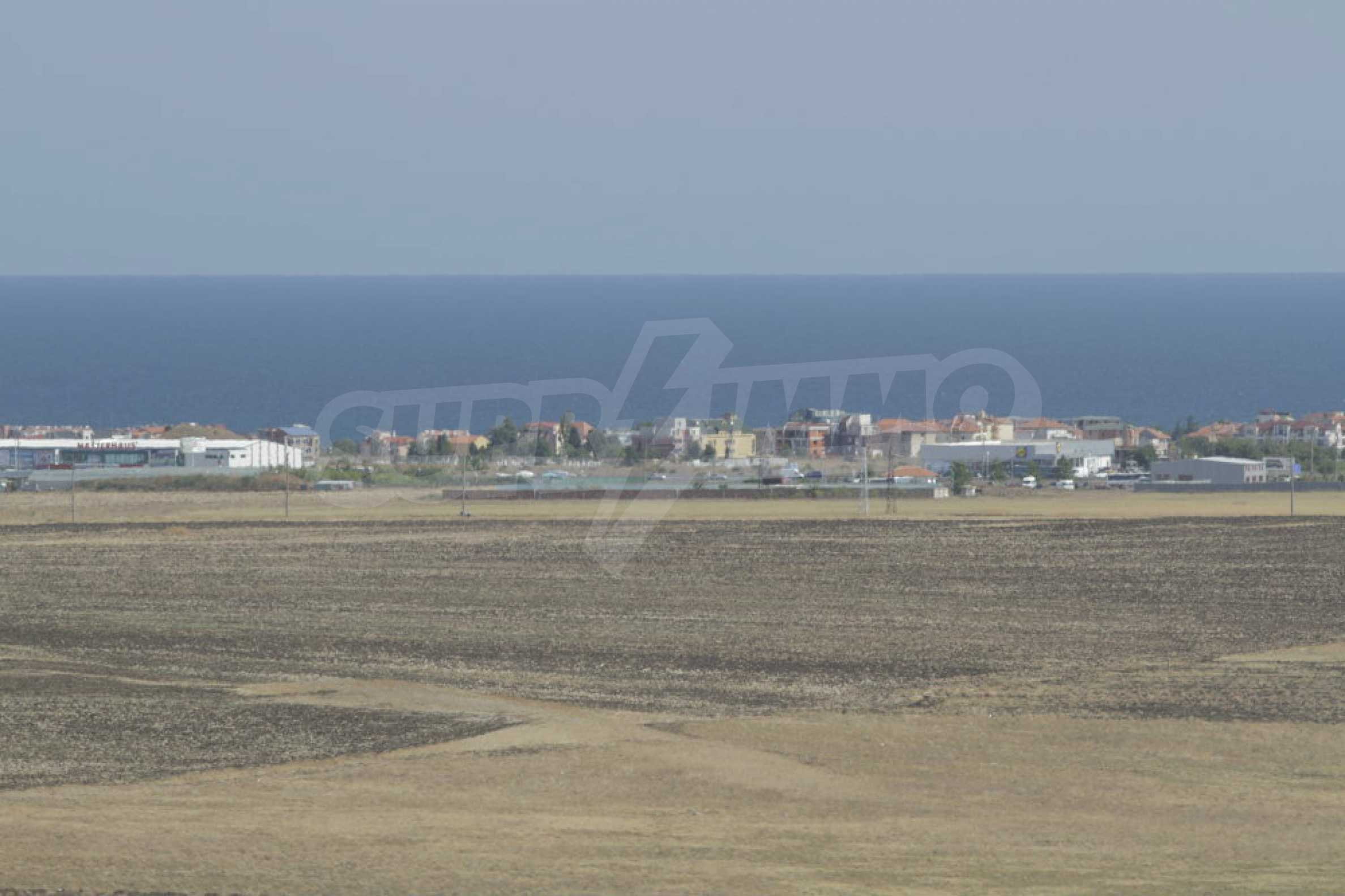 Investment land near the town of Aheloy, a few km from Sunny Beach, Bulgaria 22
