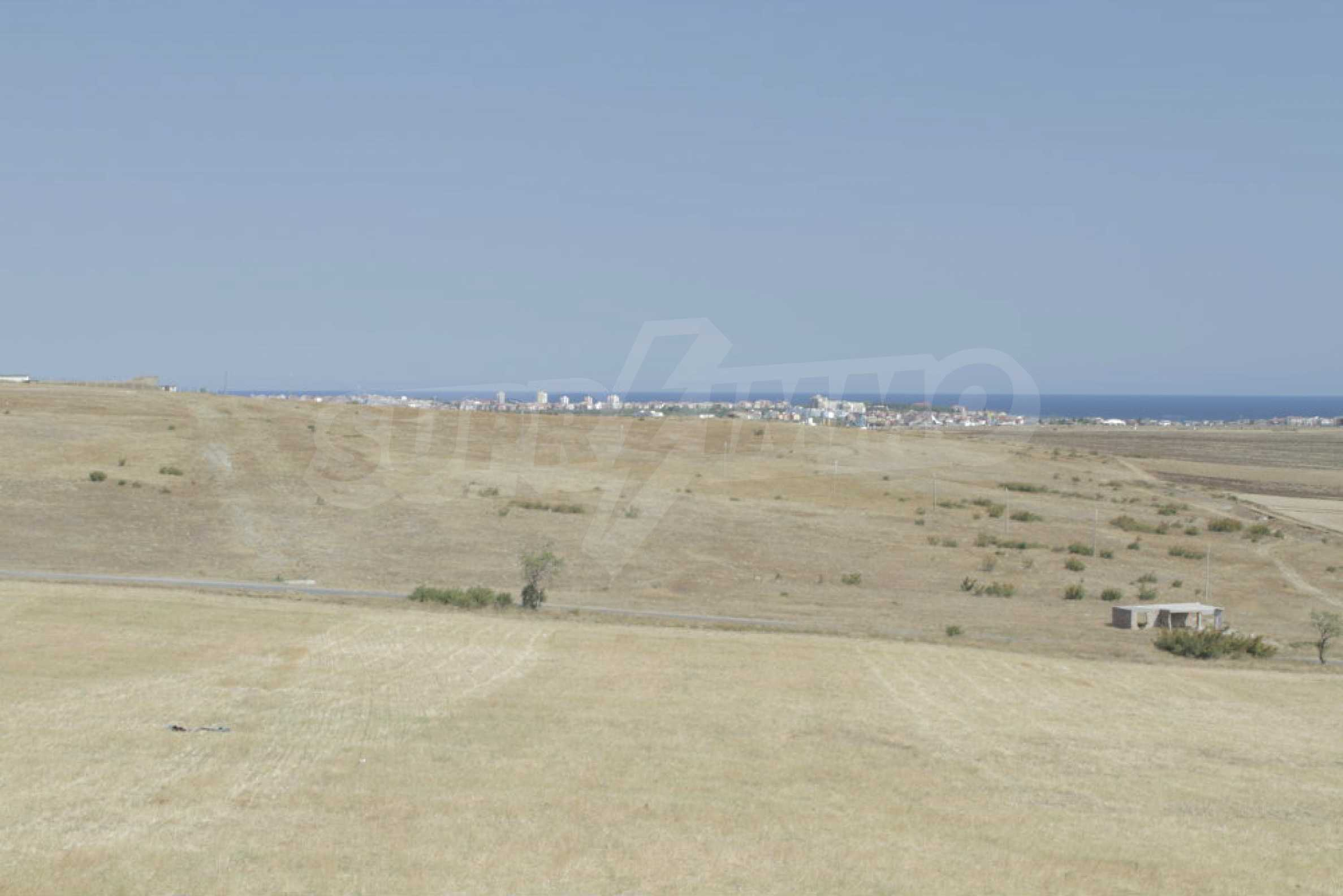 Investment land near the town of Aheloy, a few km from Sunny Beach, Bulgaria 9