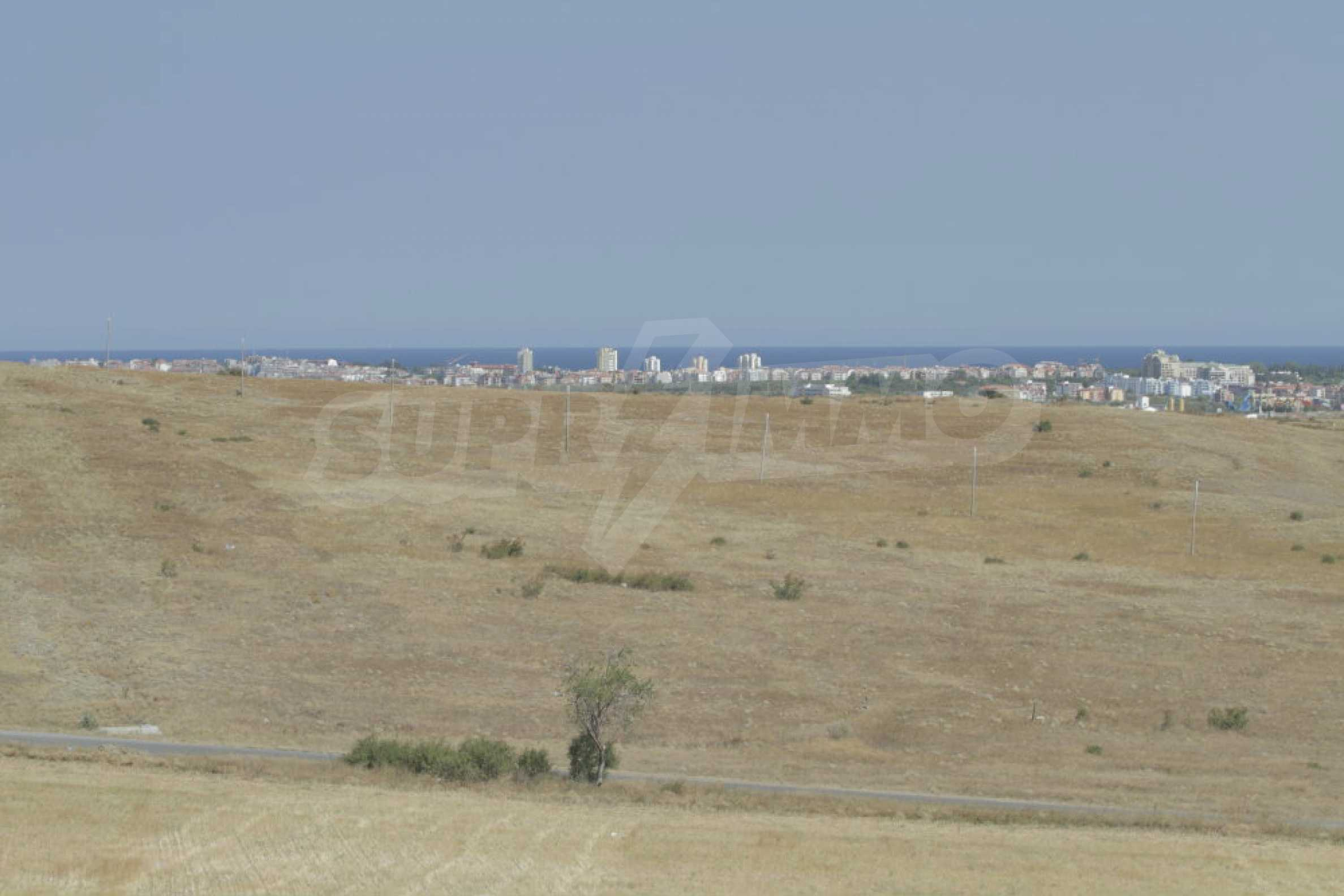 Investment land near the town of Aheloy, a few km from Sunny Beach, Bulgaria 11