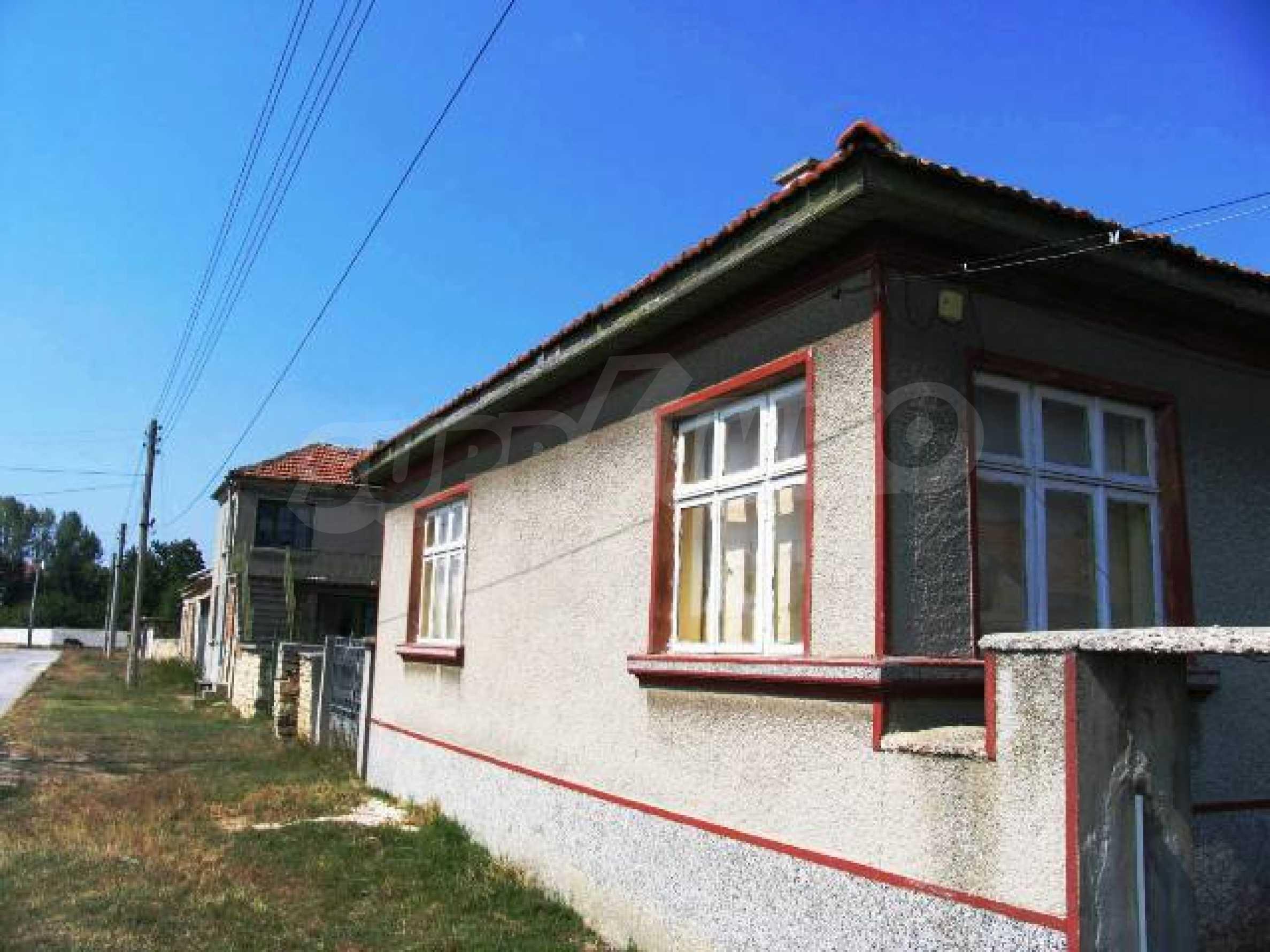 Къща за продажба близо до Варна 1