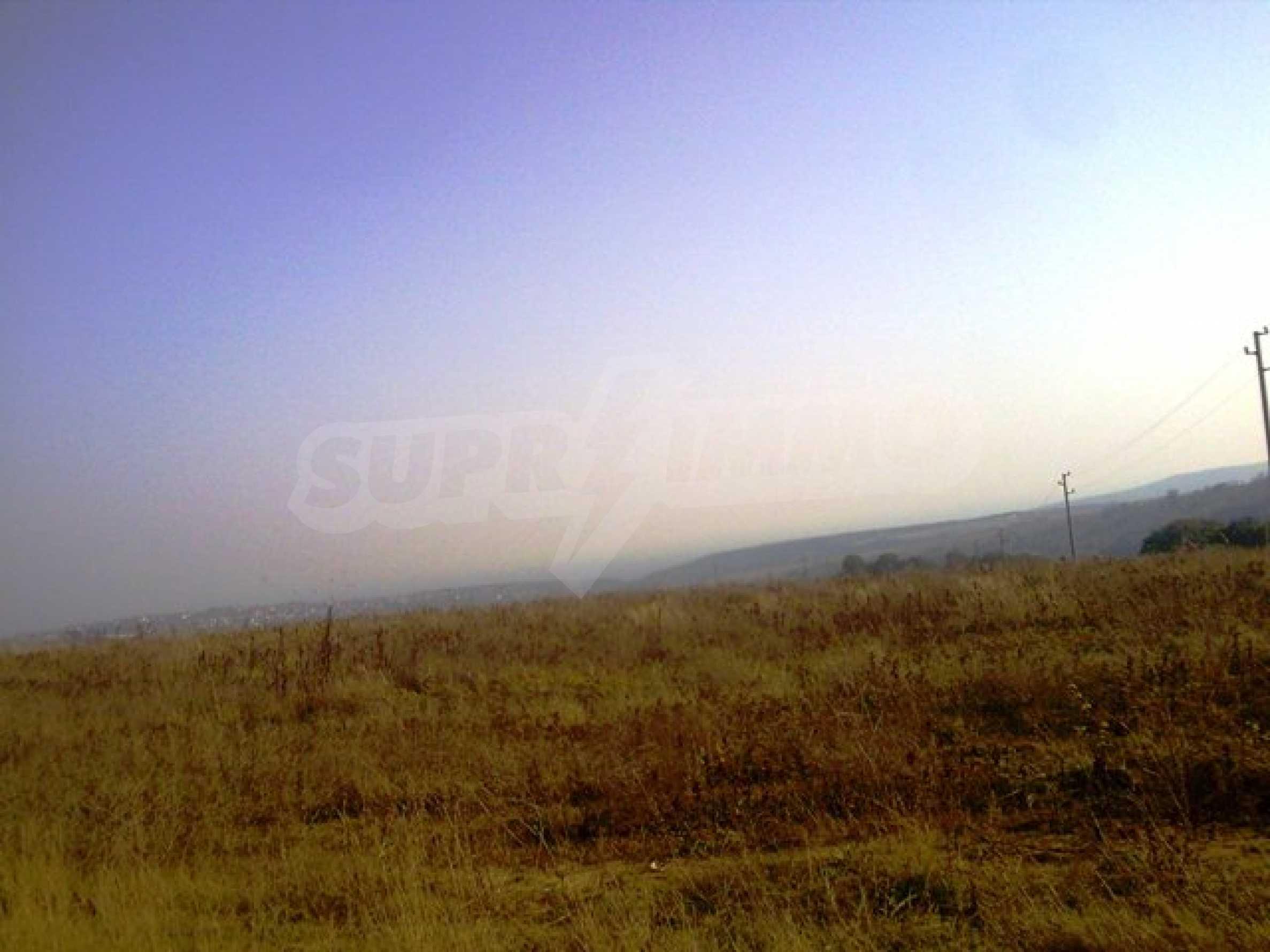 Сельскохозяйственные земли на продажу недалеко от Варны 6