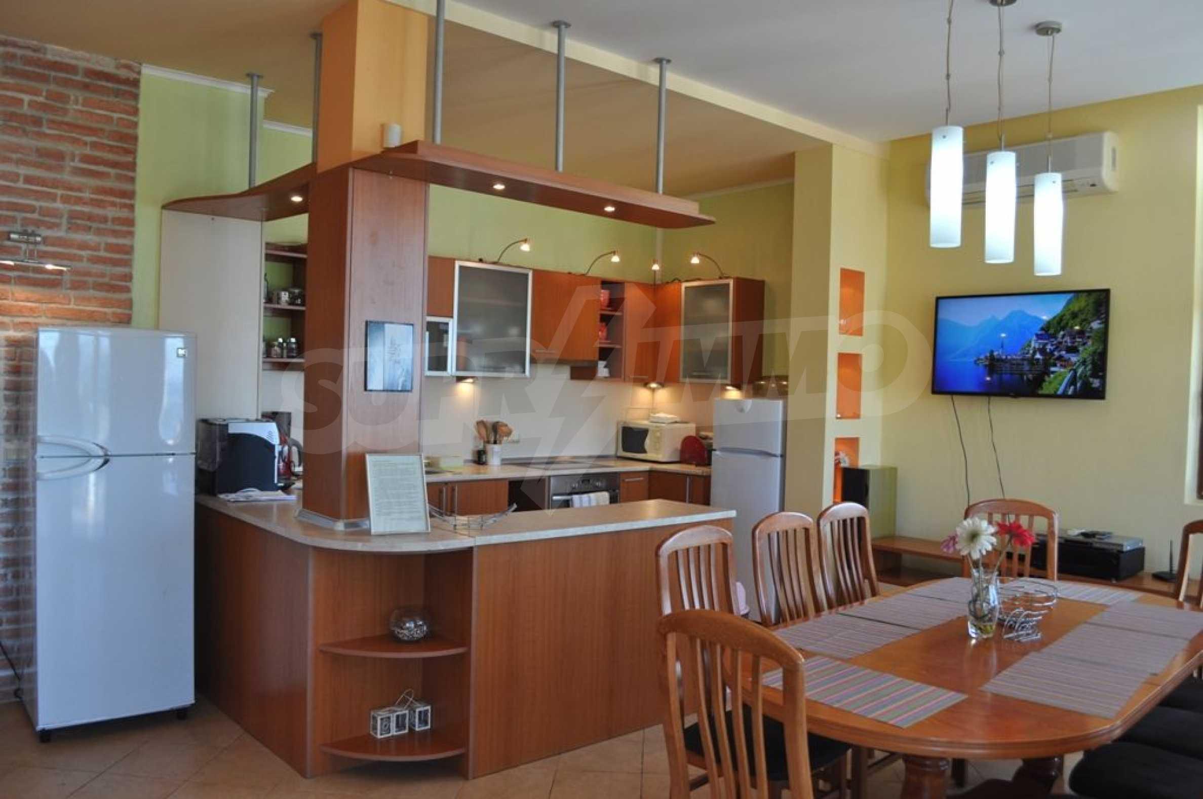 Вилла с 6 спальнями на курорте Албена 9