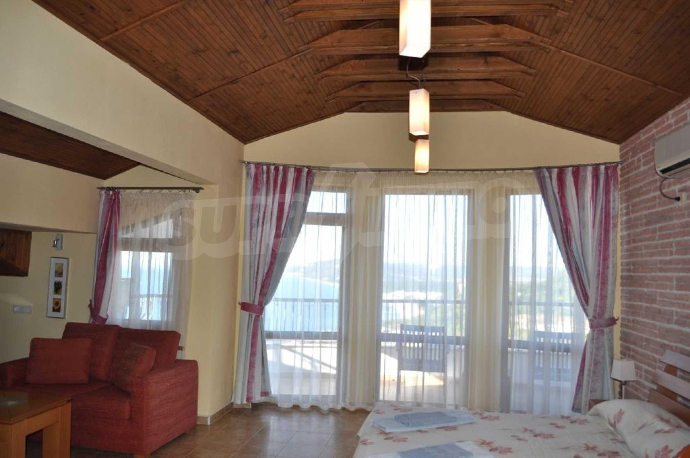 Вилла с 6 спальнями на курорте Албена 14