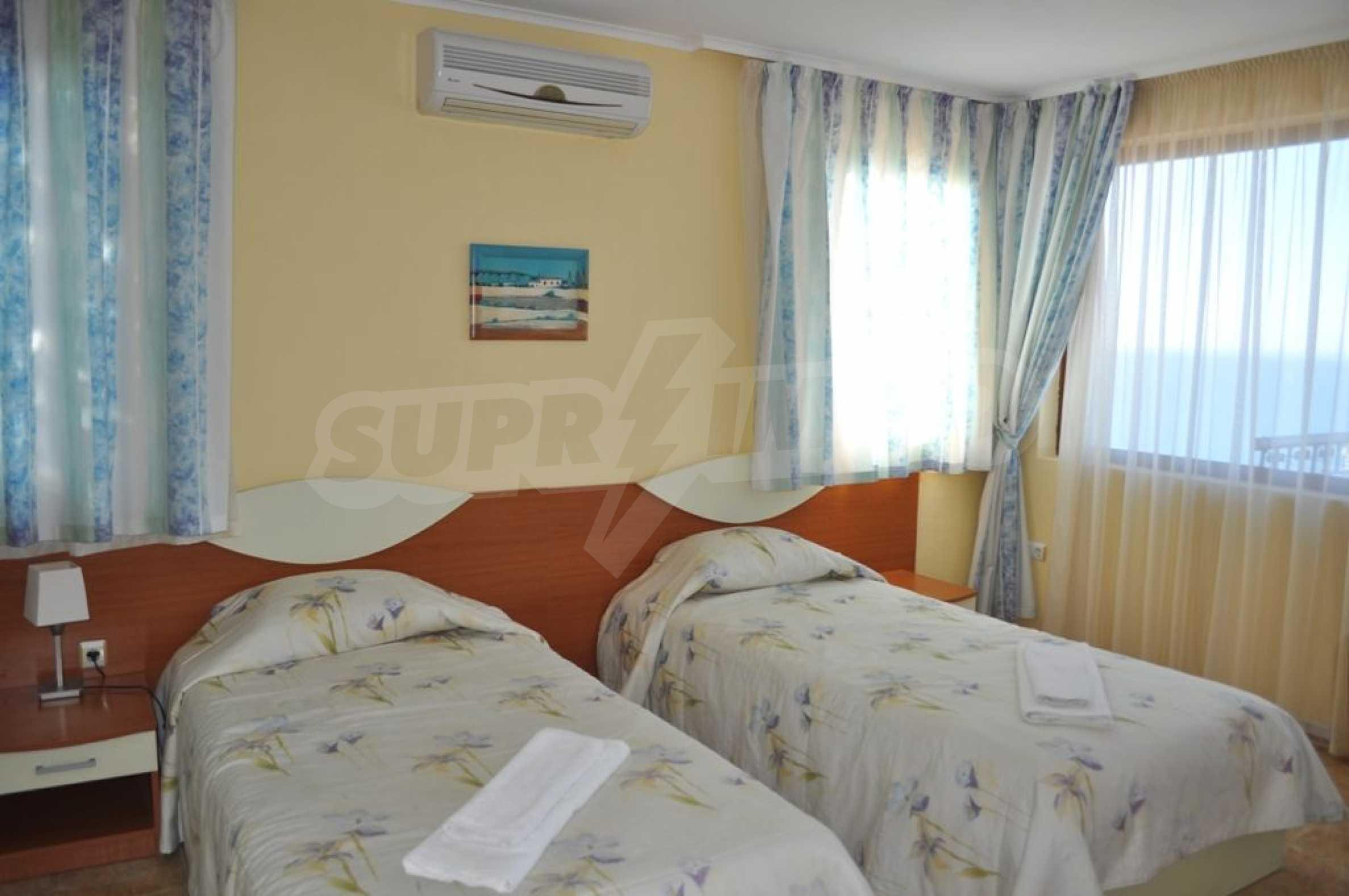 Вилла с 6 спальнями на курорте Албена 17