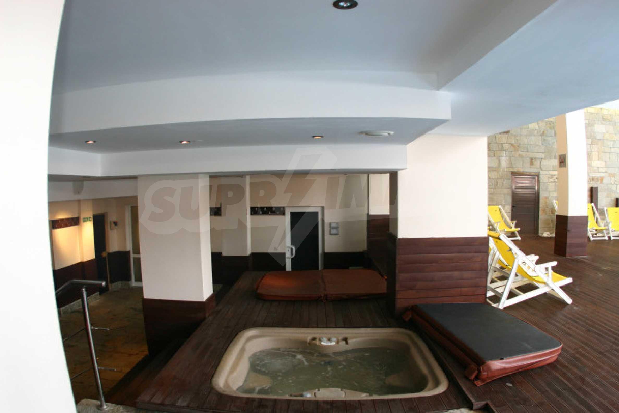 Двустаен апартамент в Банско Роял Тауърс 10