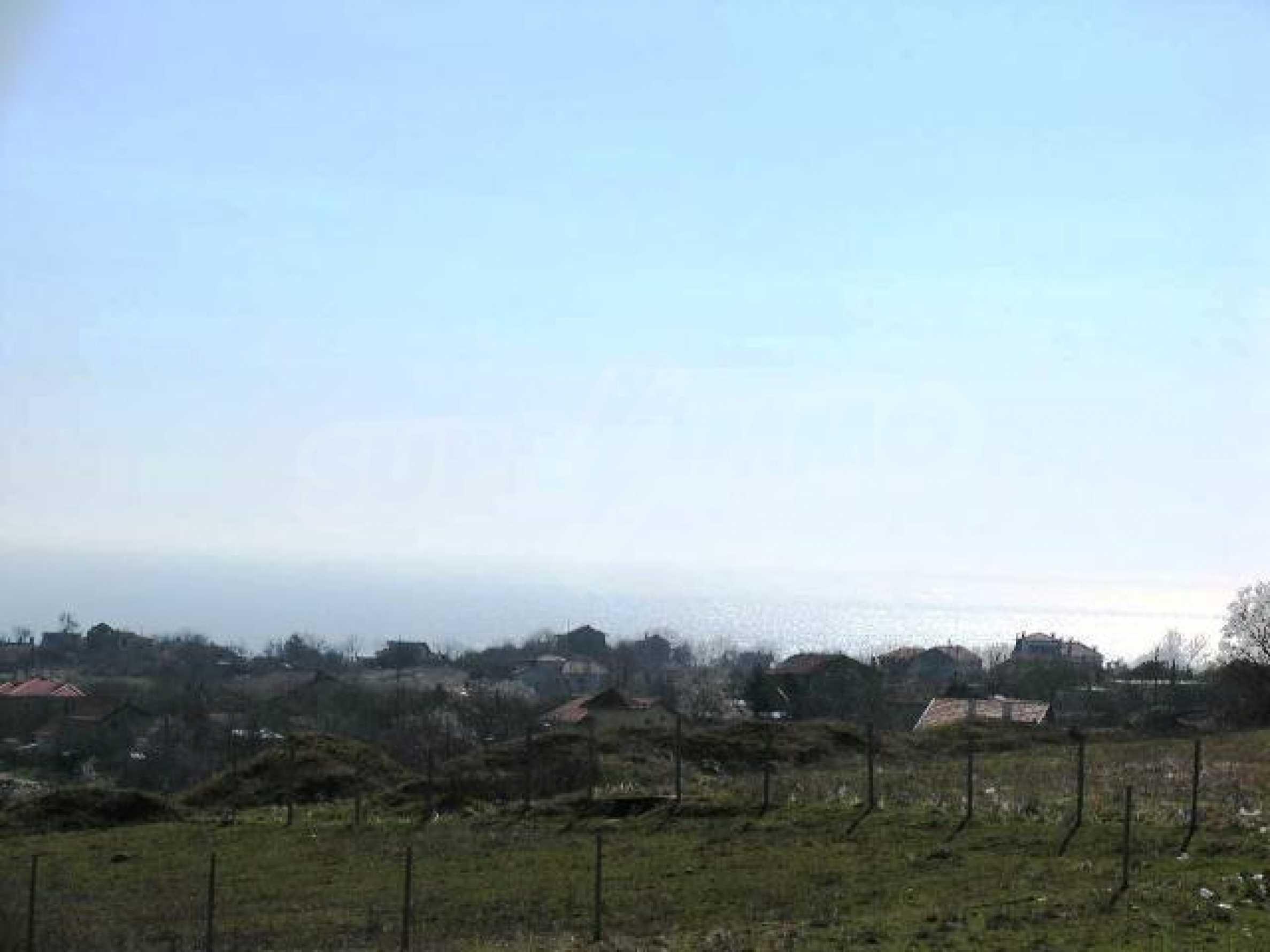 A vast plot of land in Vinitsa district - 5 kilometars from Varna centre. 10