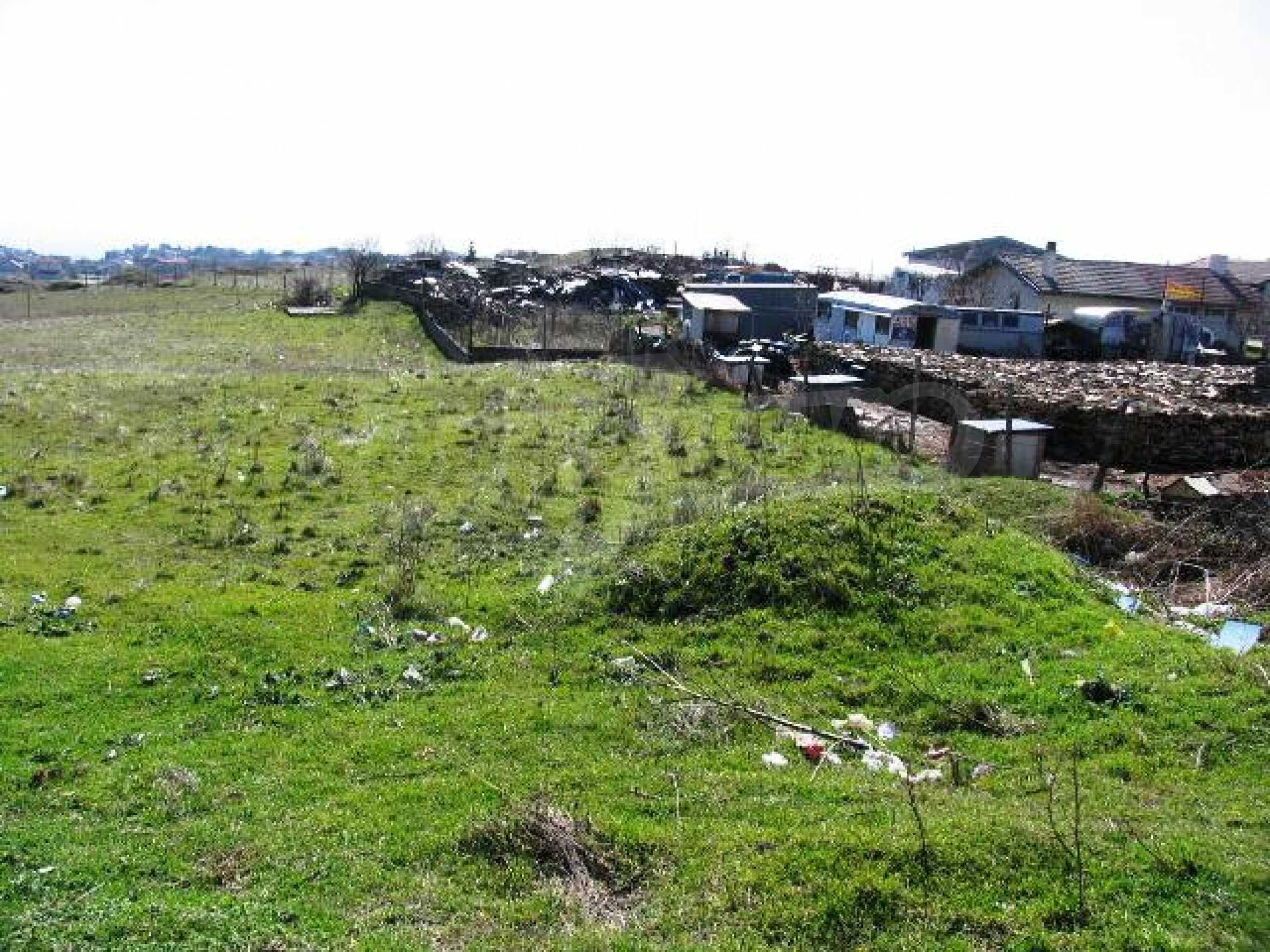 A vast plot of land in Vinitsa district - 5 kilometars from Varna centre. 1