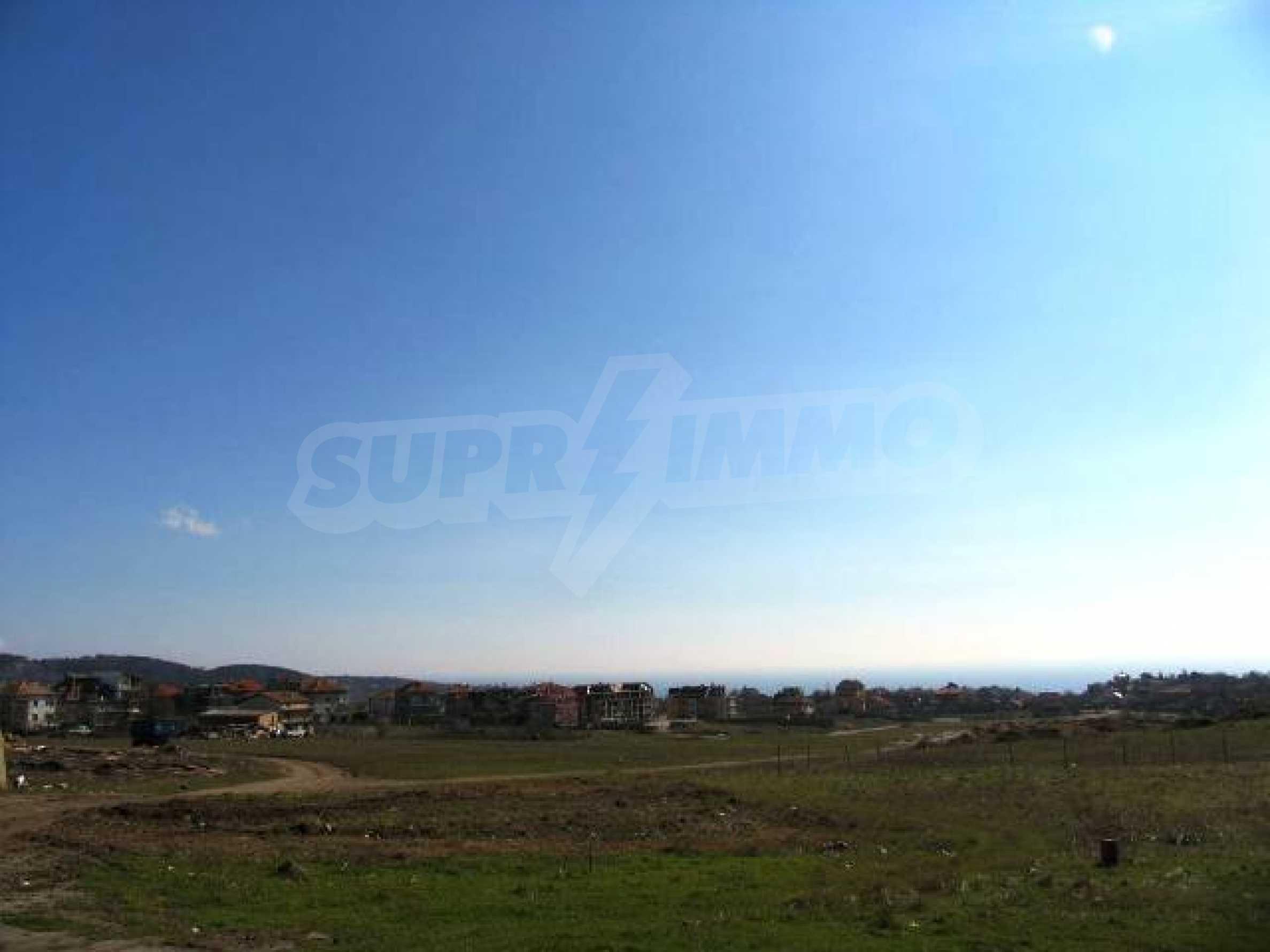 A vast plot of land in Vinitsa district - 5 kilometars from Varna centre. 5