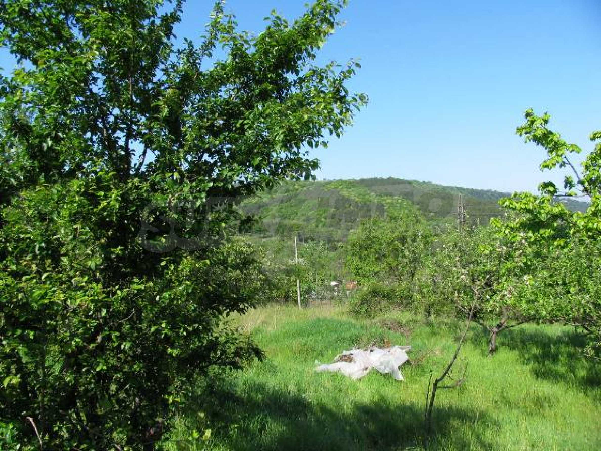 Well-sized house with plot of land close to Varna and the sea  14
