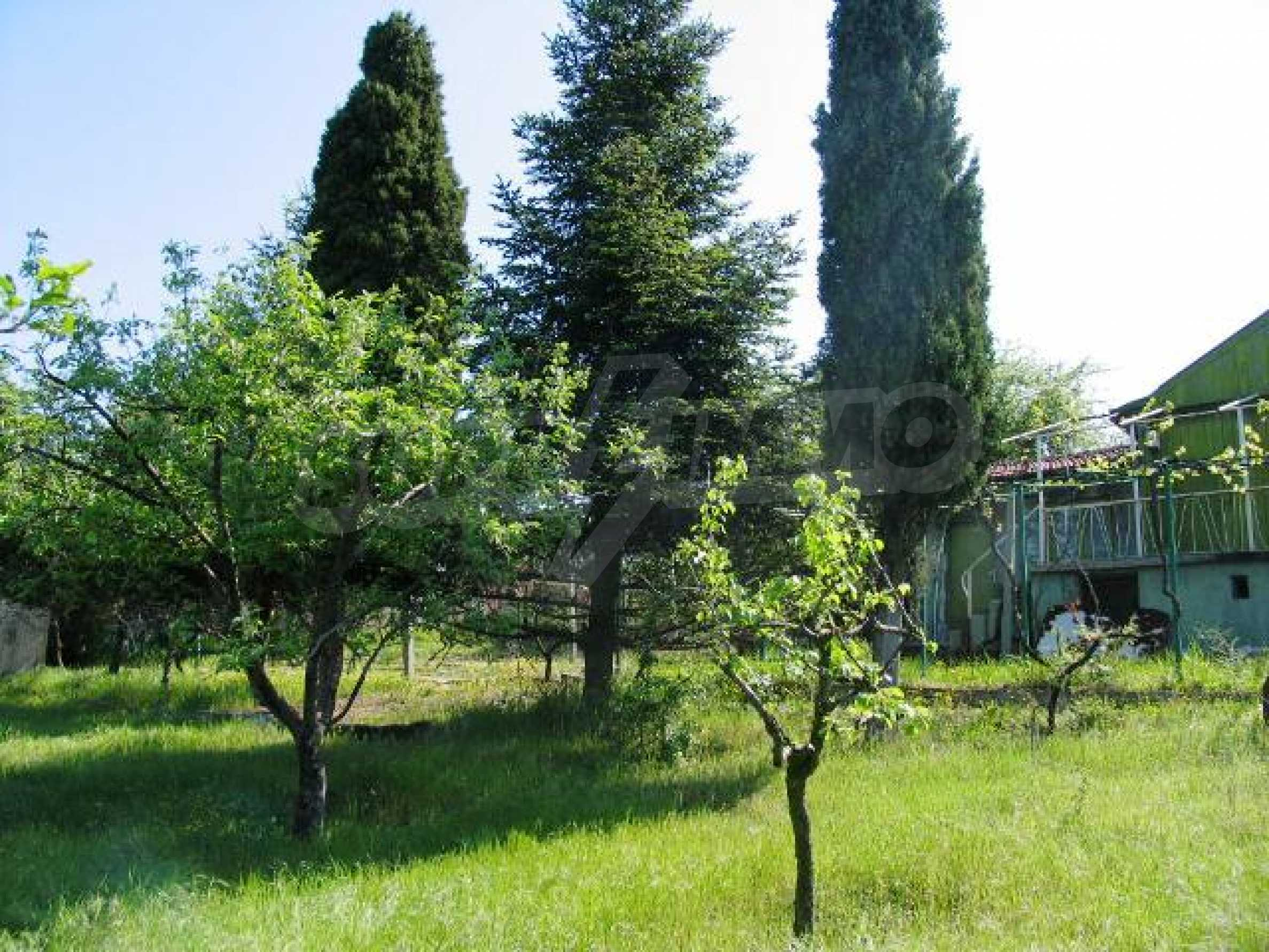 Well-sized house with plot of land close to Varna and the sea  26