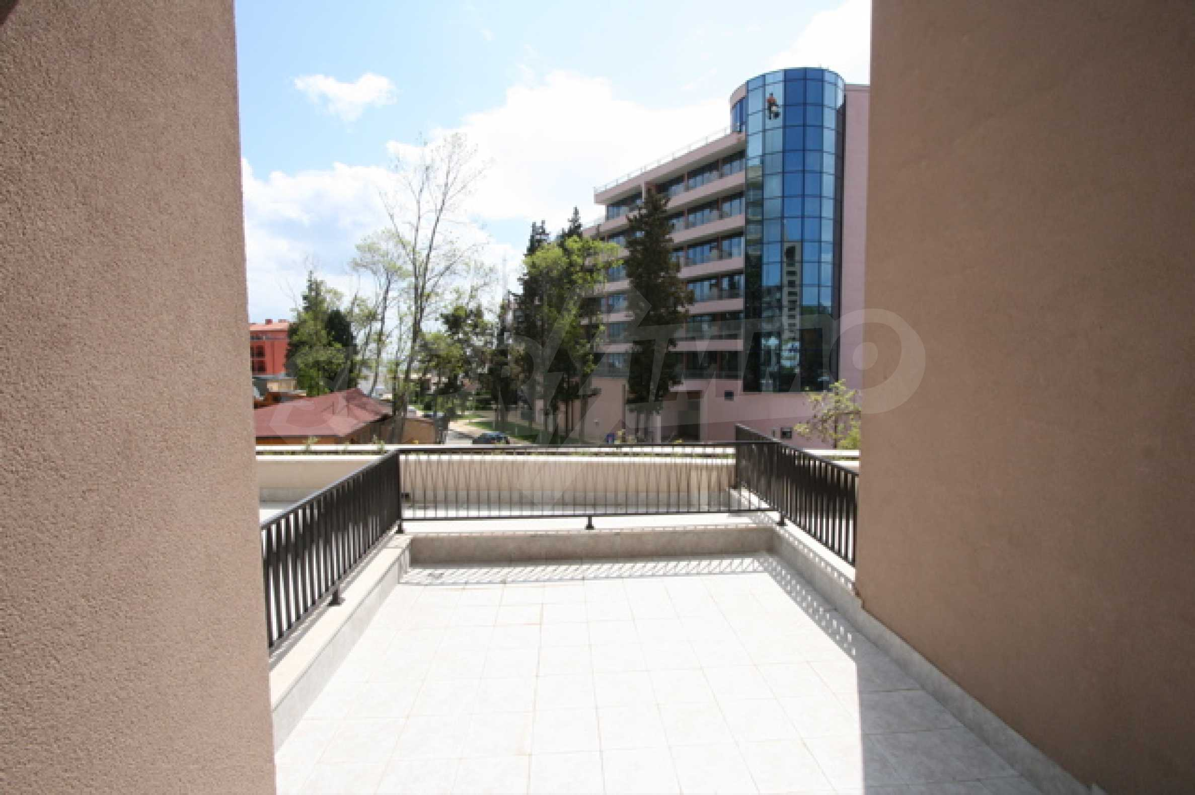 Fully furnished two-bedroom apartment in Royal Beach Barcelo 11