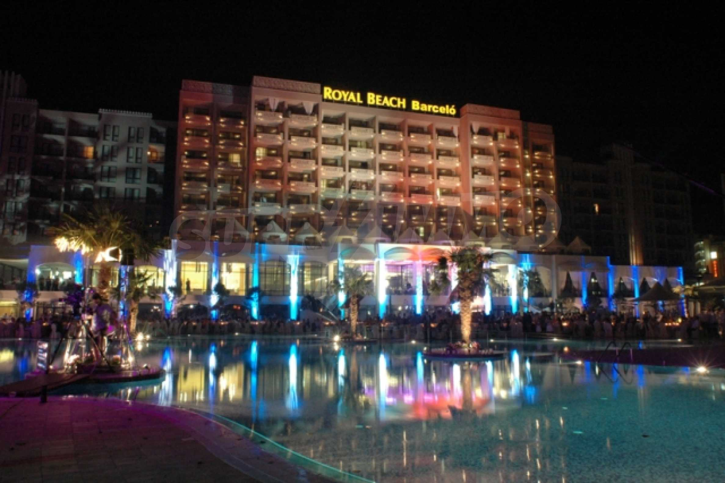 Fully furnished two-bedroom apartment in Royal Beach Barcelo 13