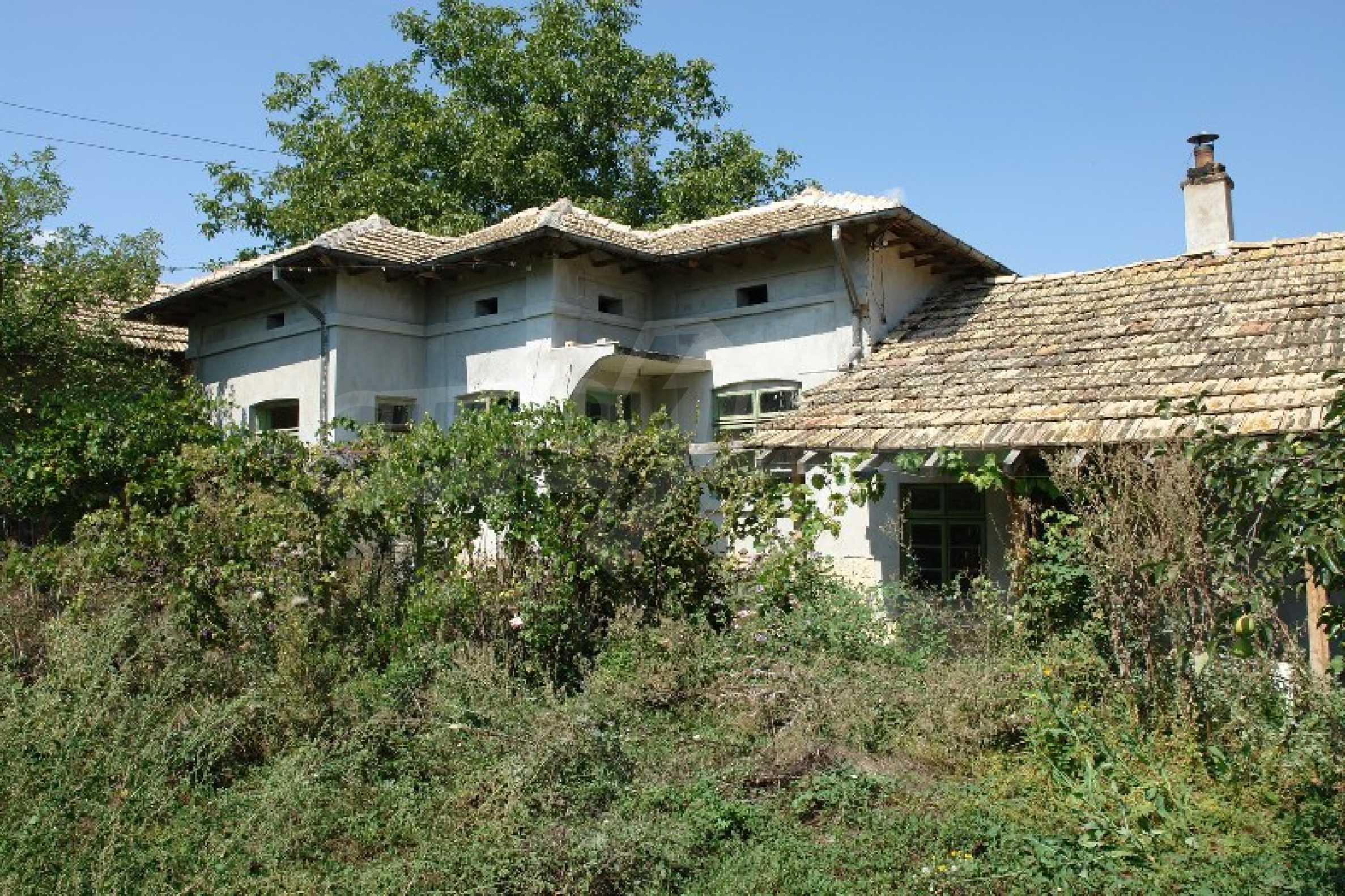 Едноетажна къща с две спални в село Садина, Русенско