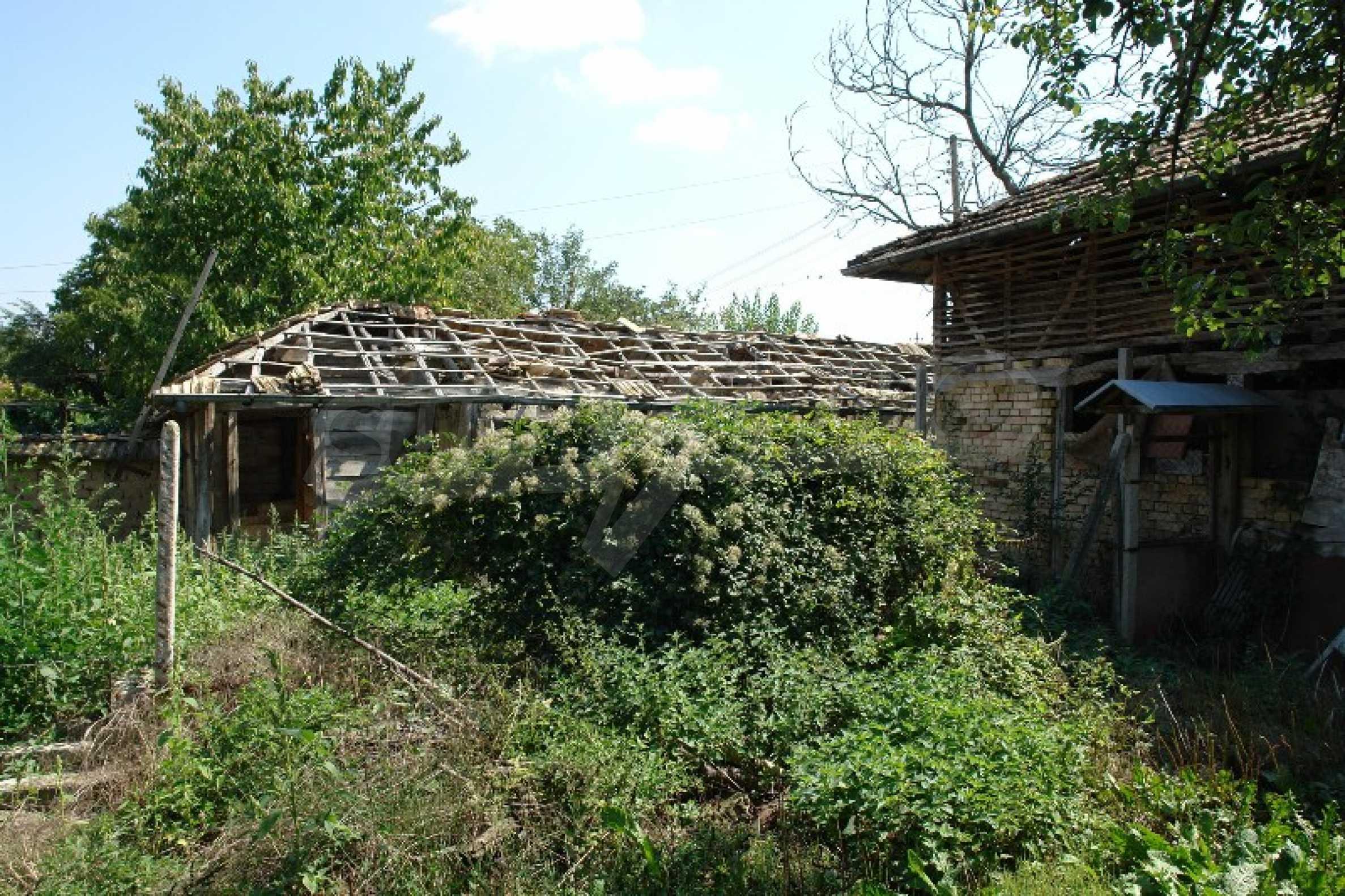 Едноетажна къща с две спални в село Садина, Русенско 3