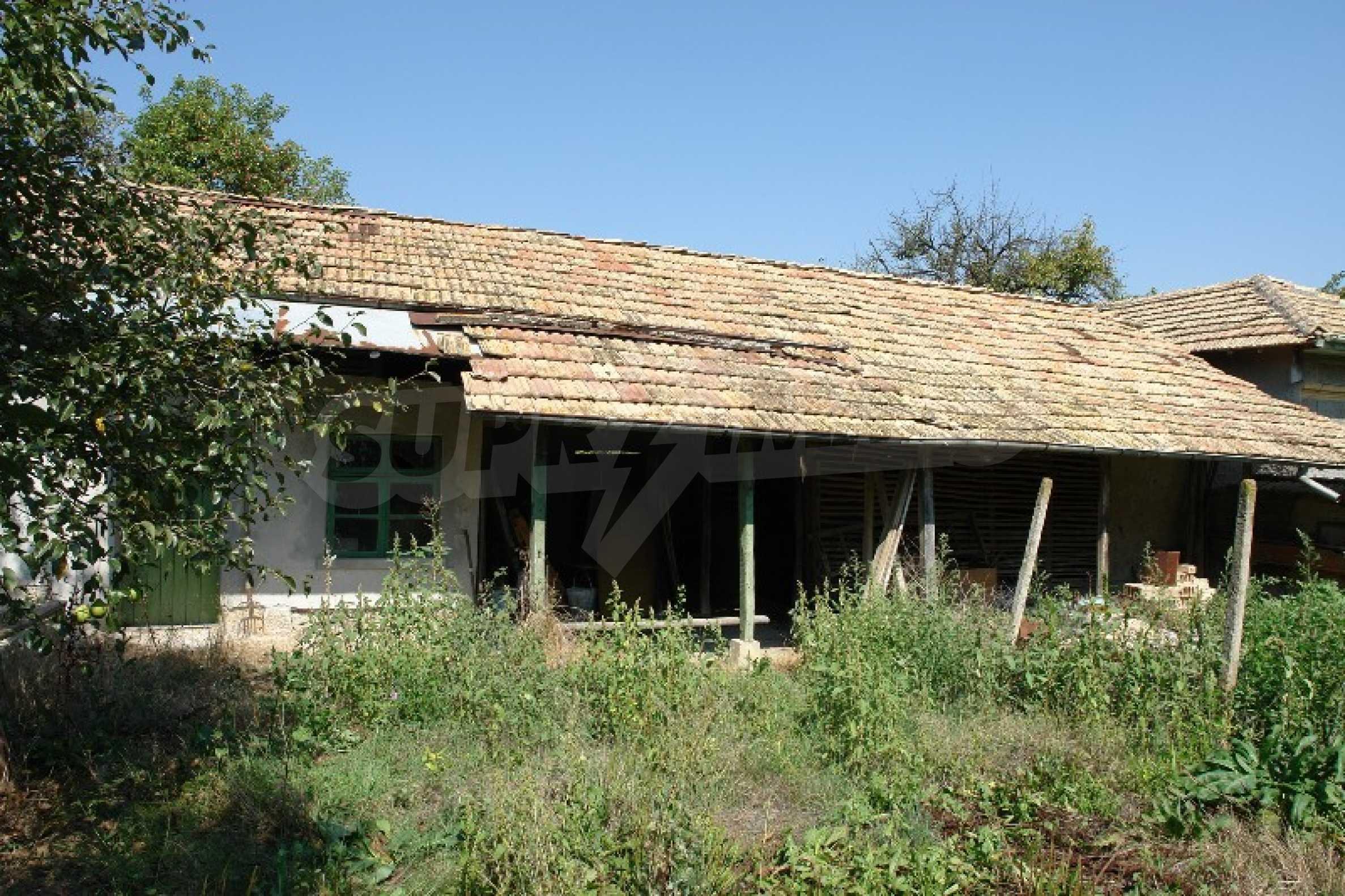Едноетажна къща с две спални в село Садина, Русенско 4