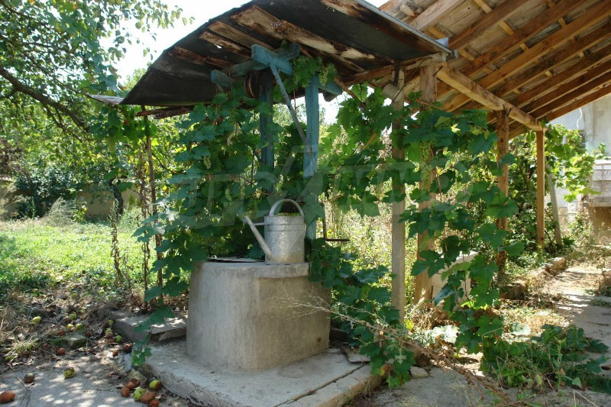 Едноетажна къща с две спални в село Садина, Русенско 5