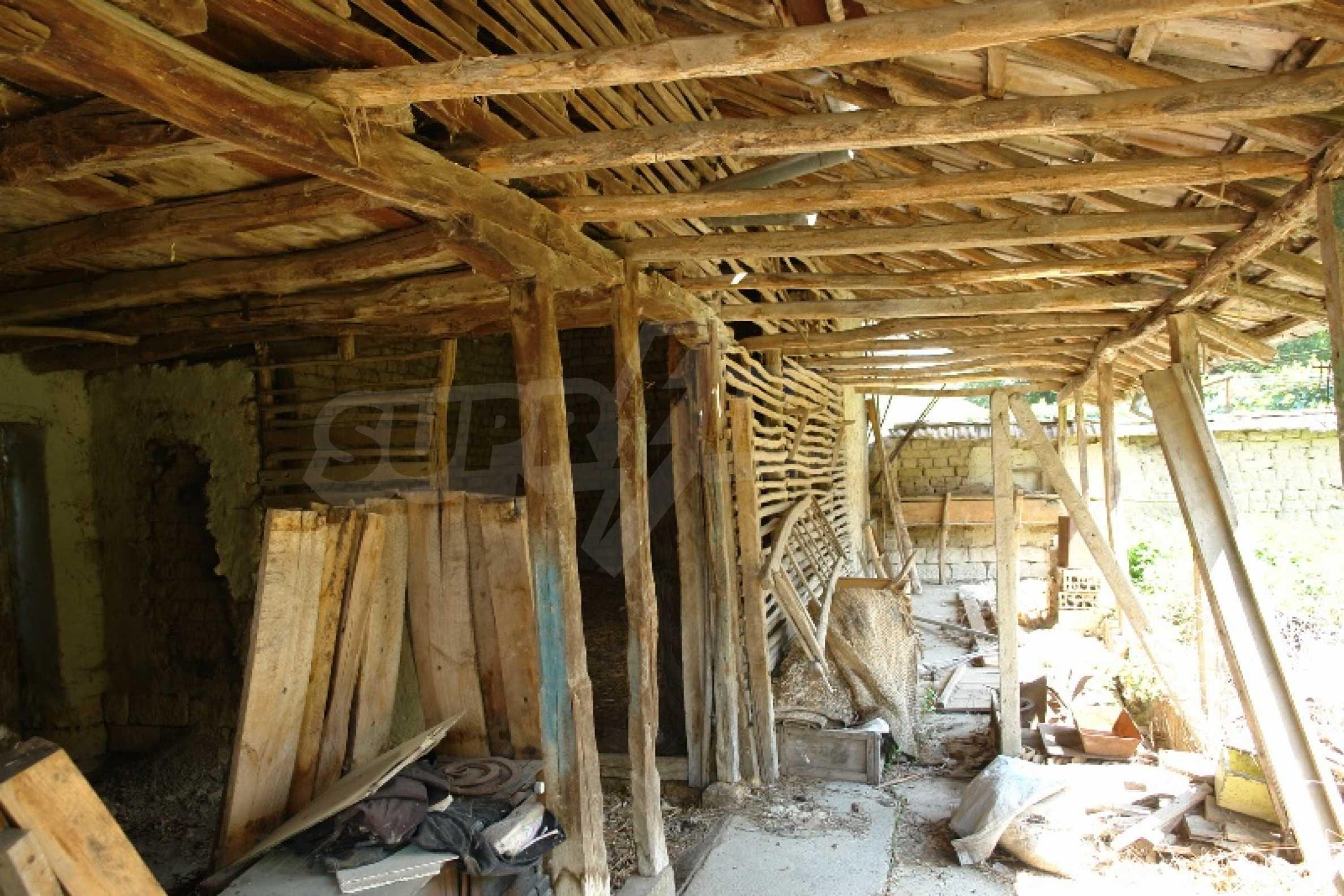 Едноетажна къща с две спални в село Садина, Русенско 6