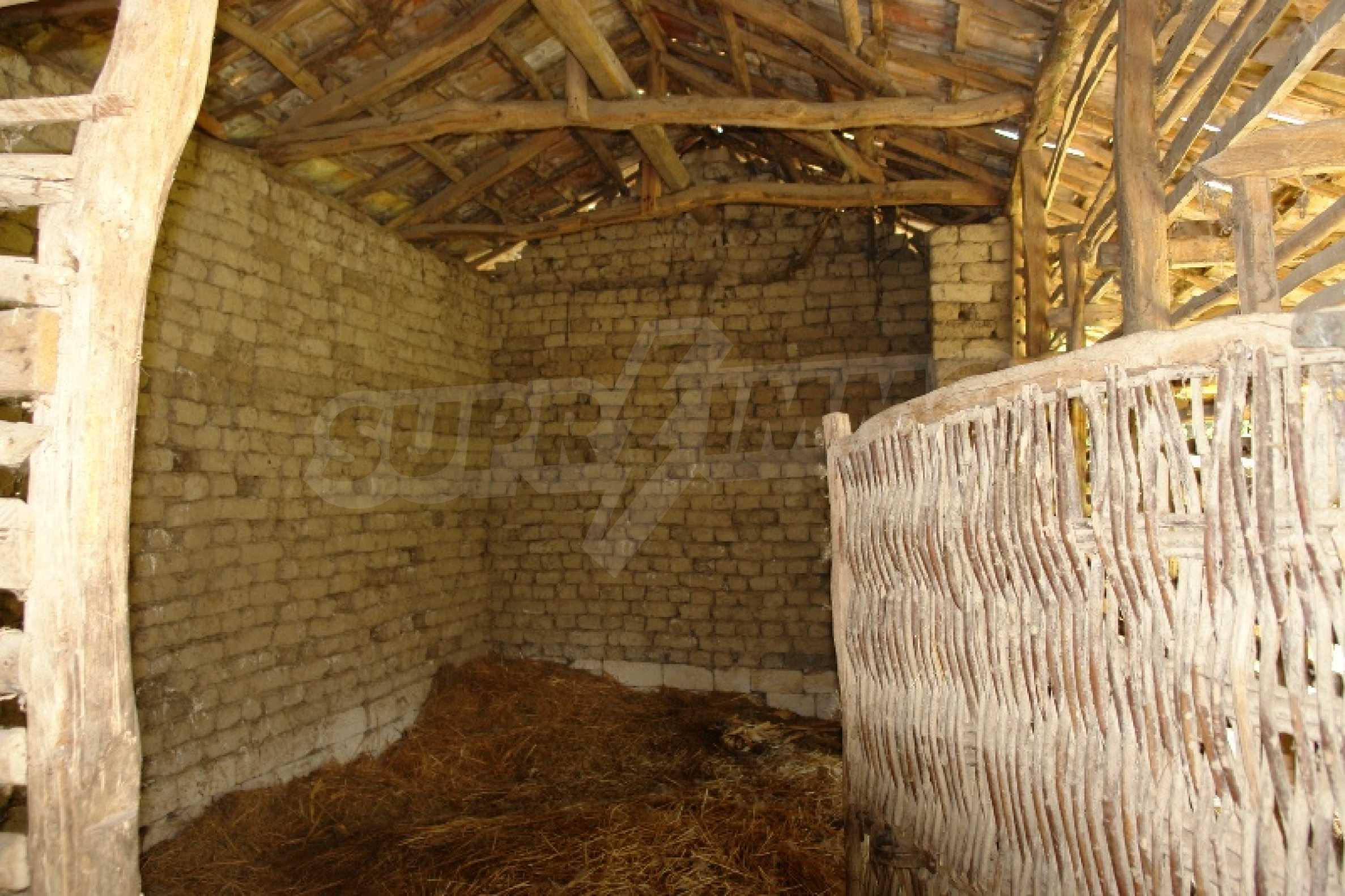 Едноетажна къща с две спални в село Садина, Русенско 7