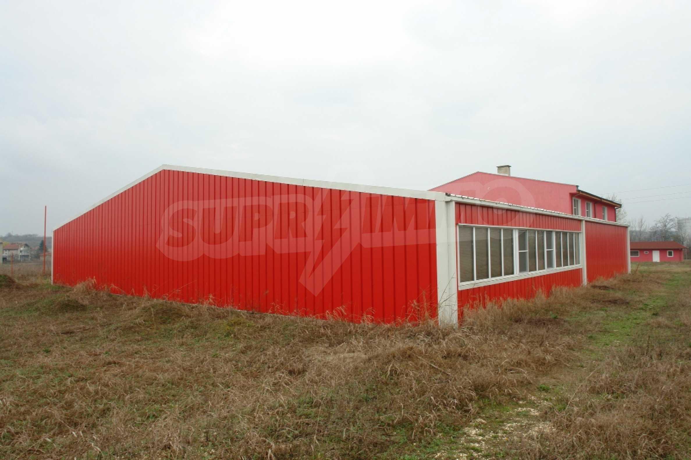 Индустриално-пакетажна база в град Мартен, Русенска област 1