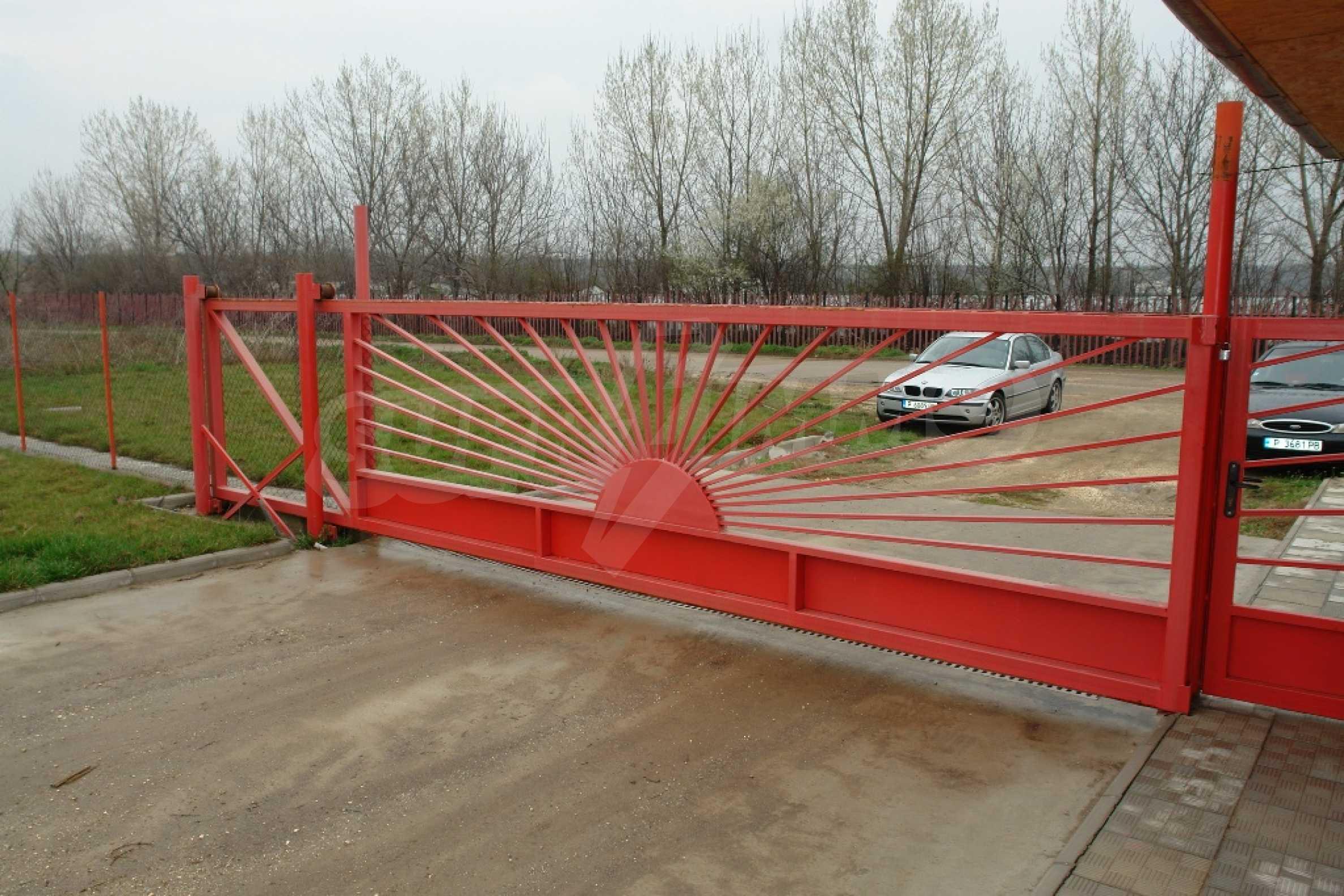 Индустриално-пакетажна база в град Мартен, Русенска област 28