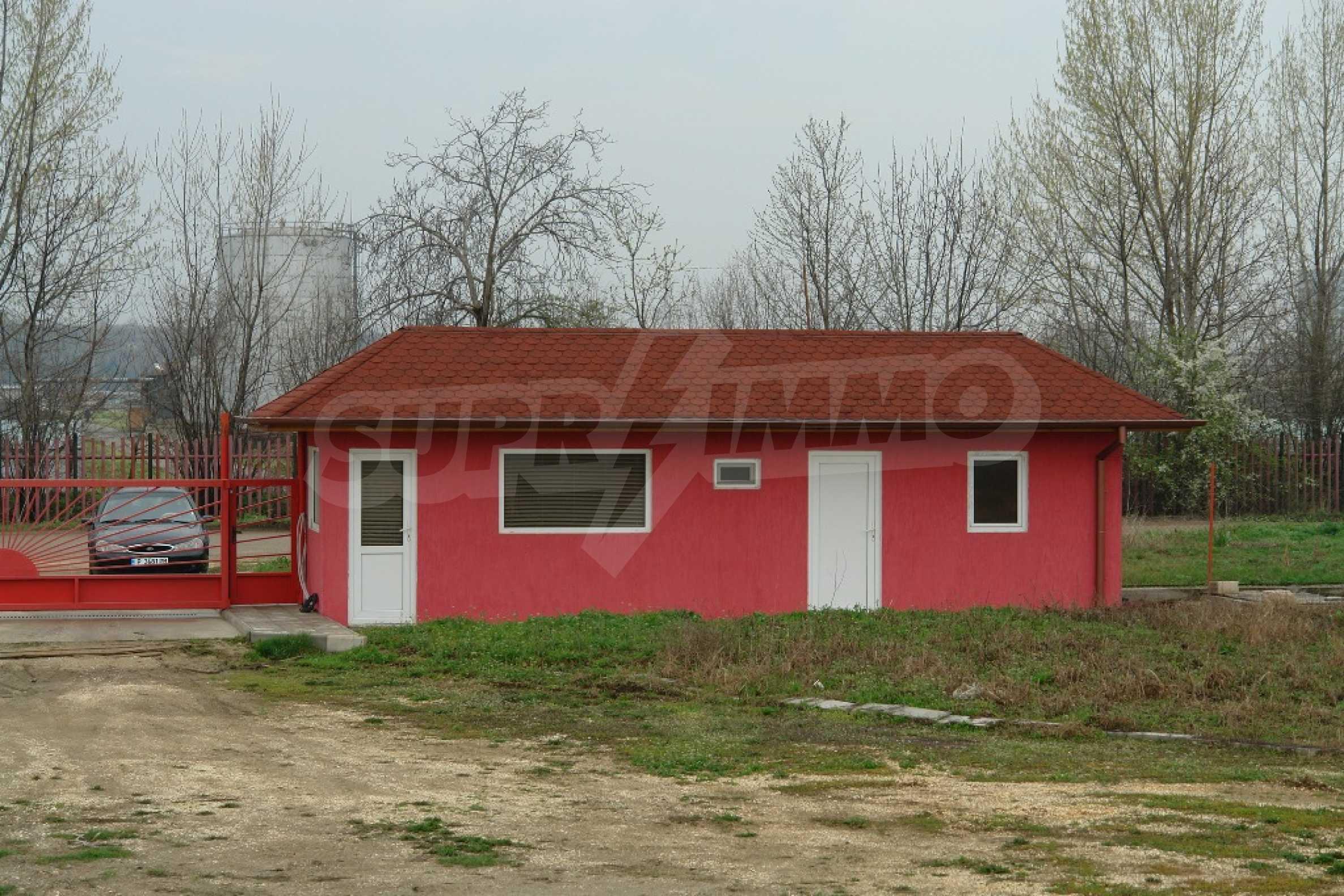 Индустриално-пакетажна база в град Мартен, Русенска област 2