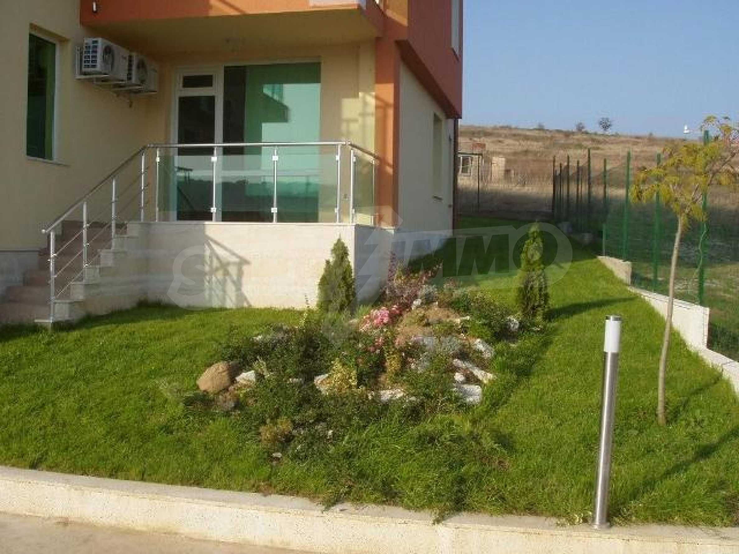 SEA VIEW 2-bedroom apartment in Byala 9
