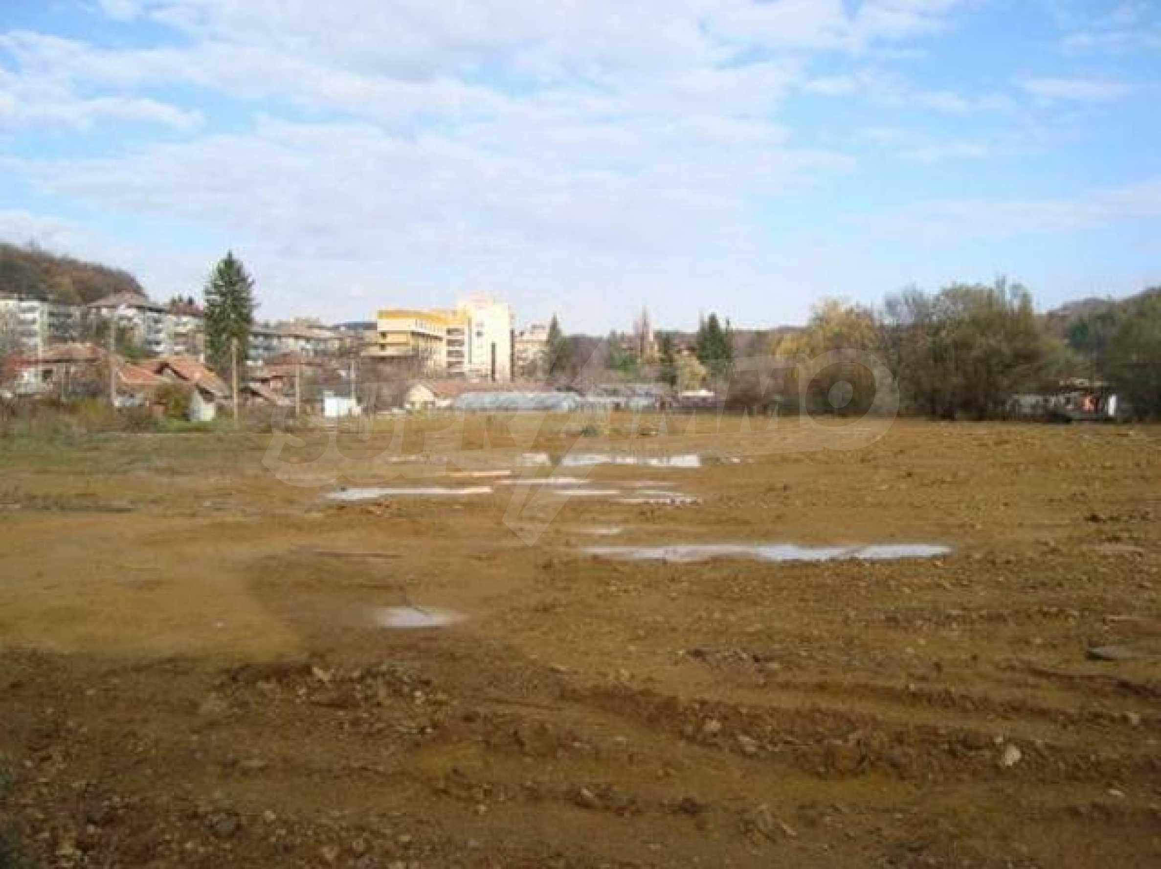 Large commercial plot 4