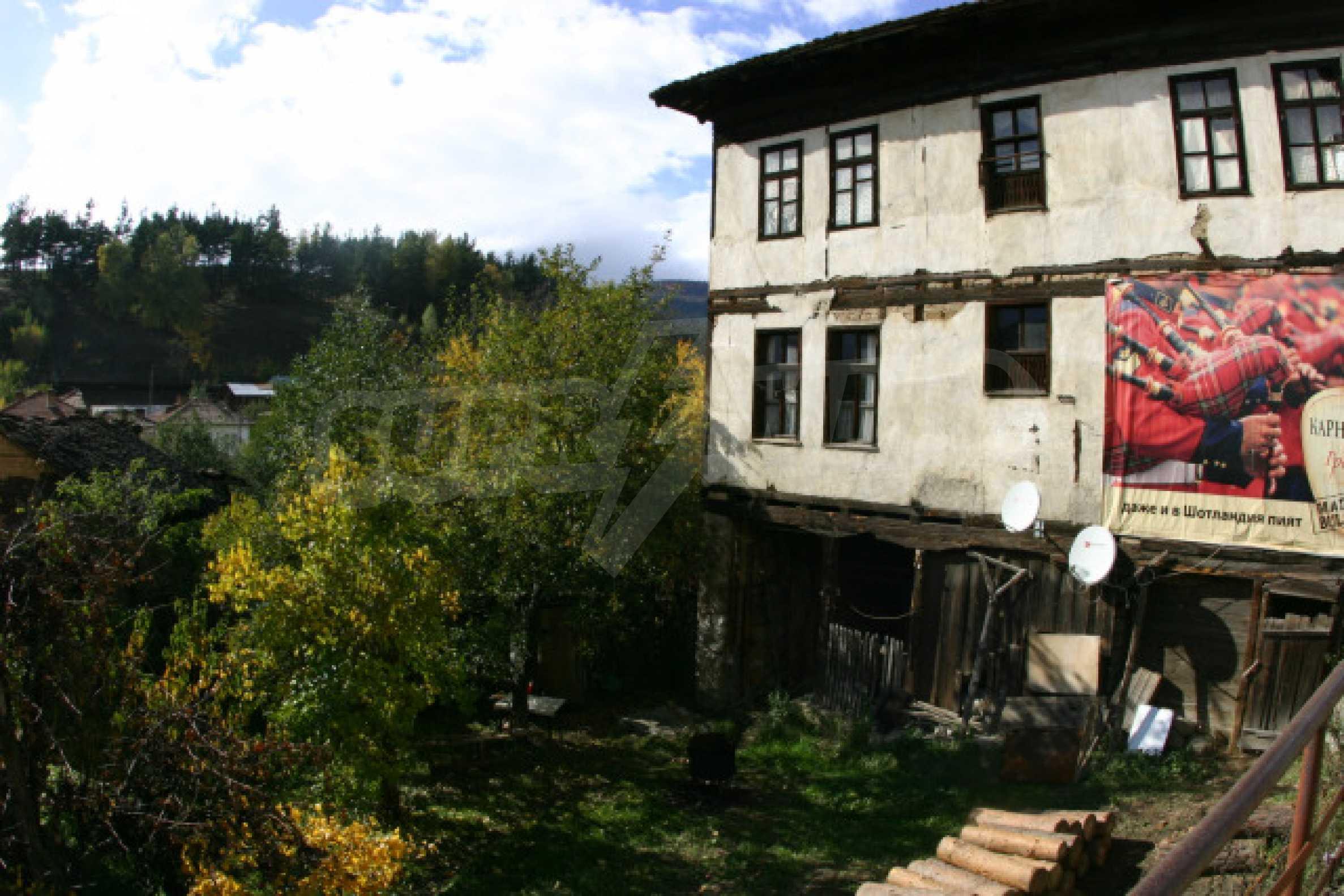 Большой дом недалеко от Банско 2