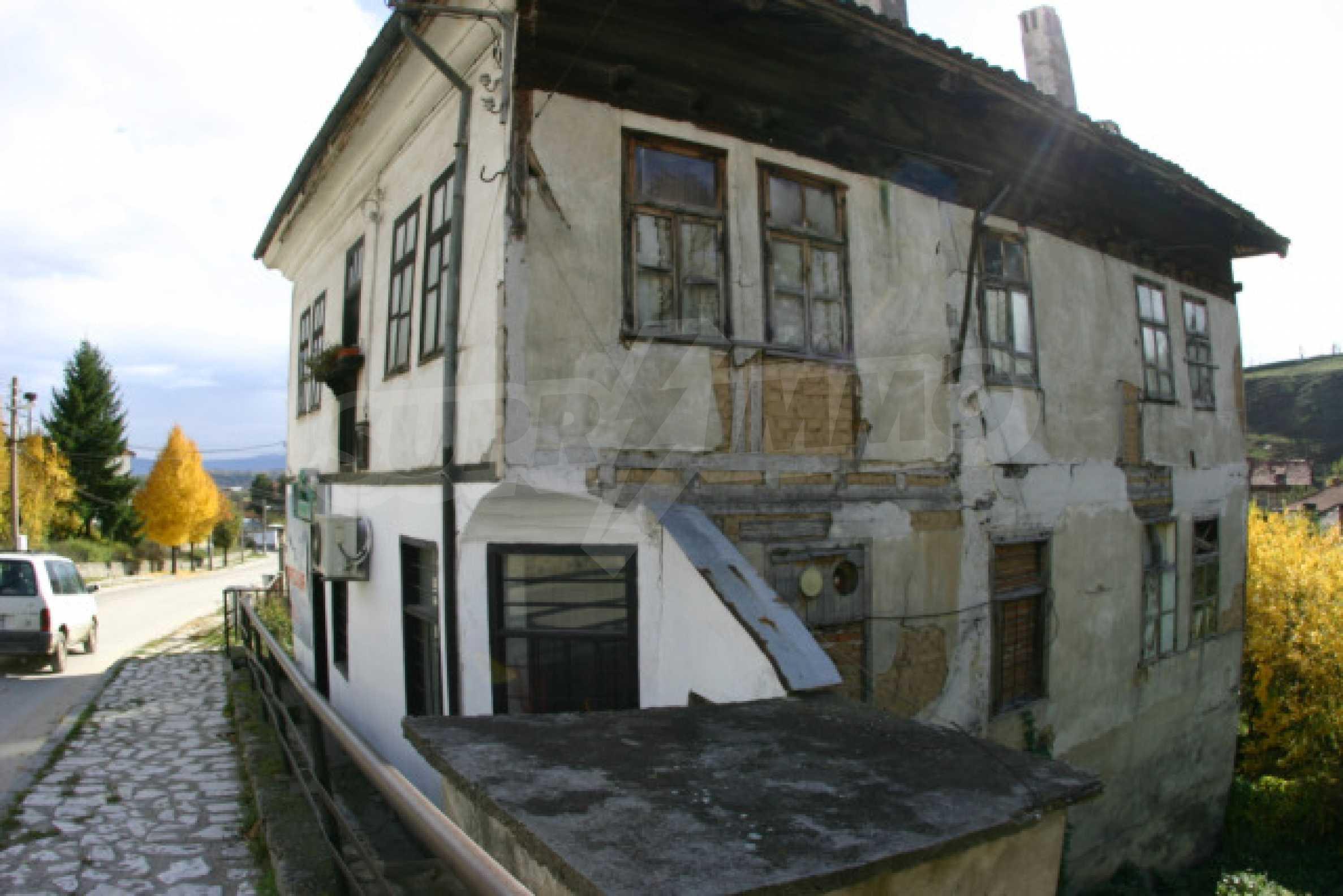 Большой дом недалеко от Банско 5