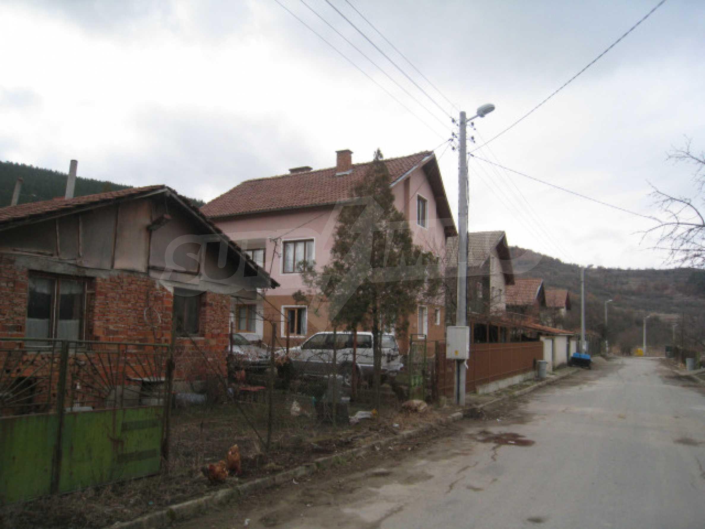 Красивый дом с прекрасным видом на горы 2