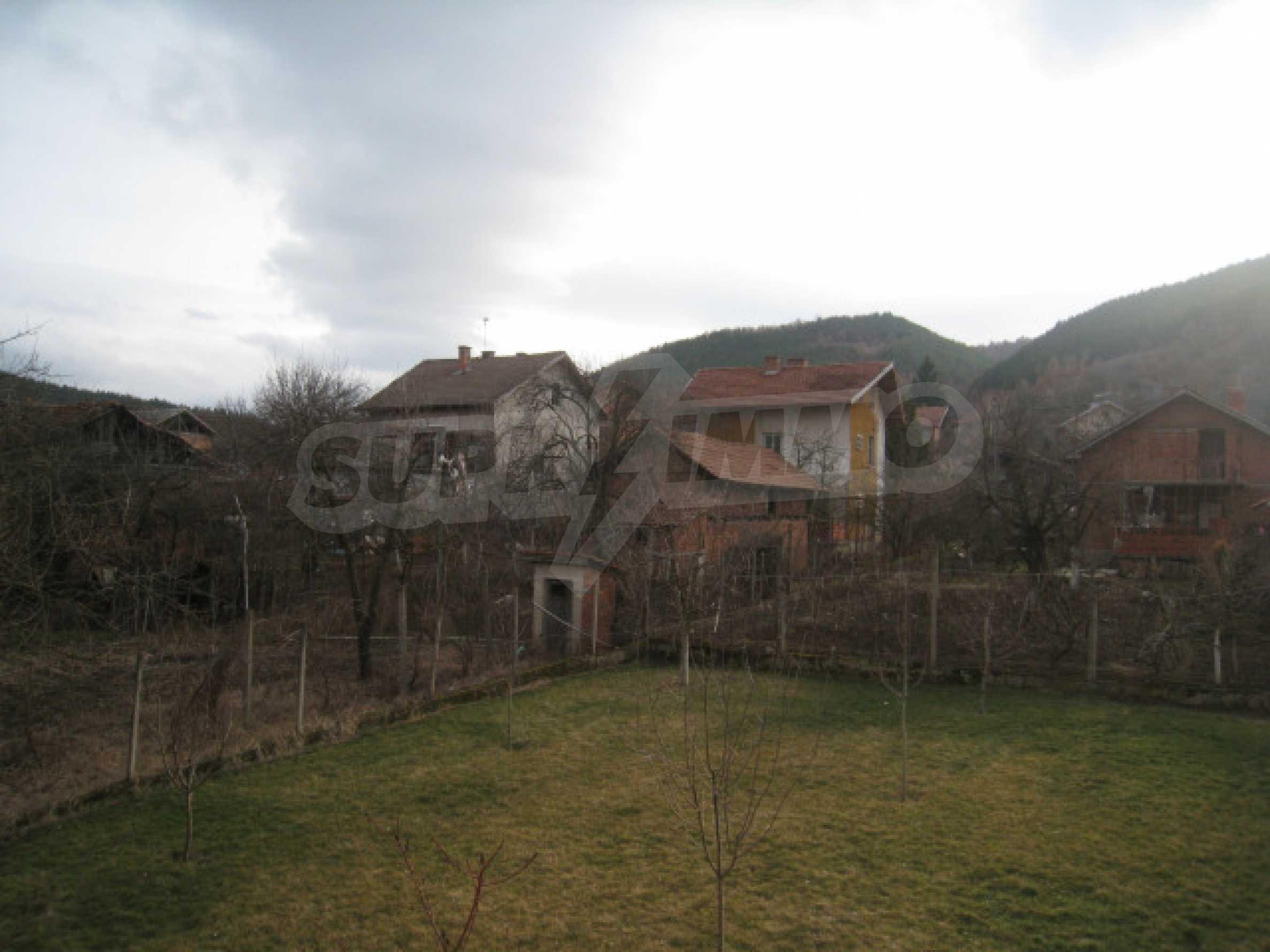 Красивый дом с прекрасным видом на горы 39