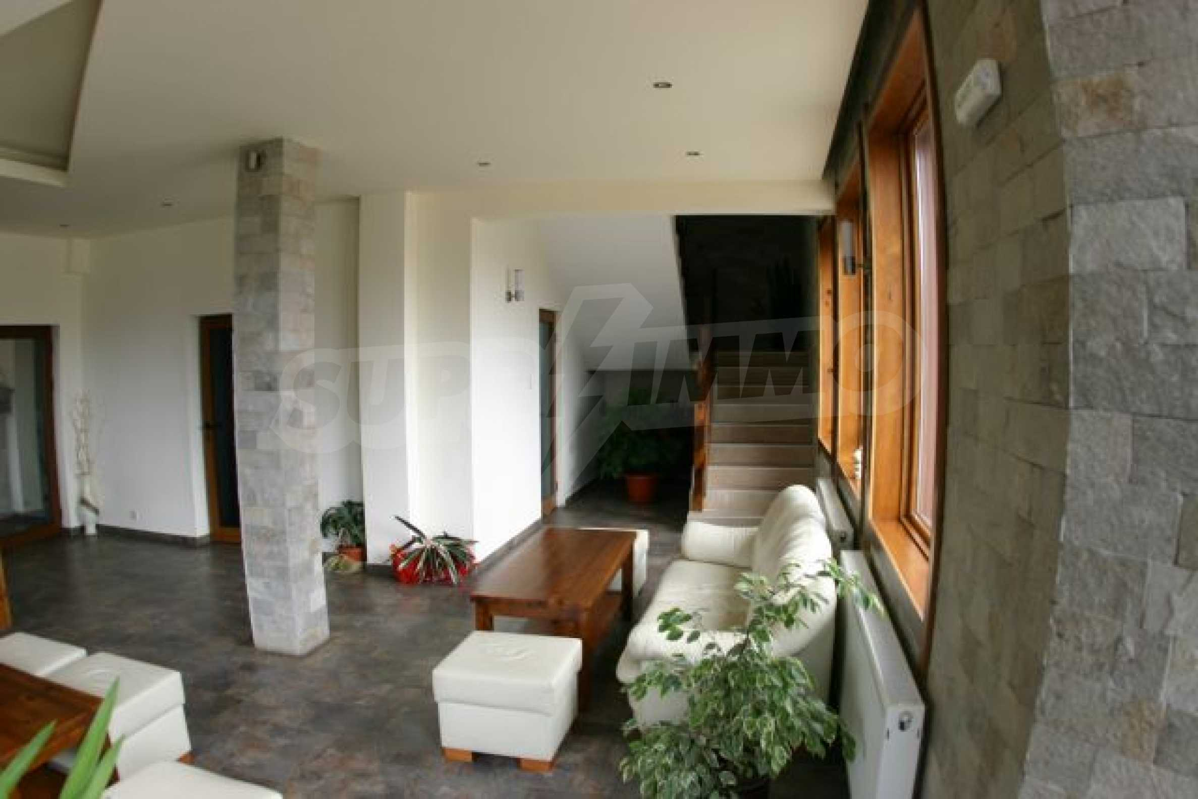 Fully furnished and equipped hotel in an excellent condition in Bansko 2