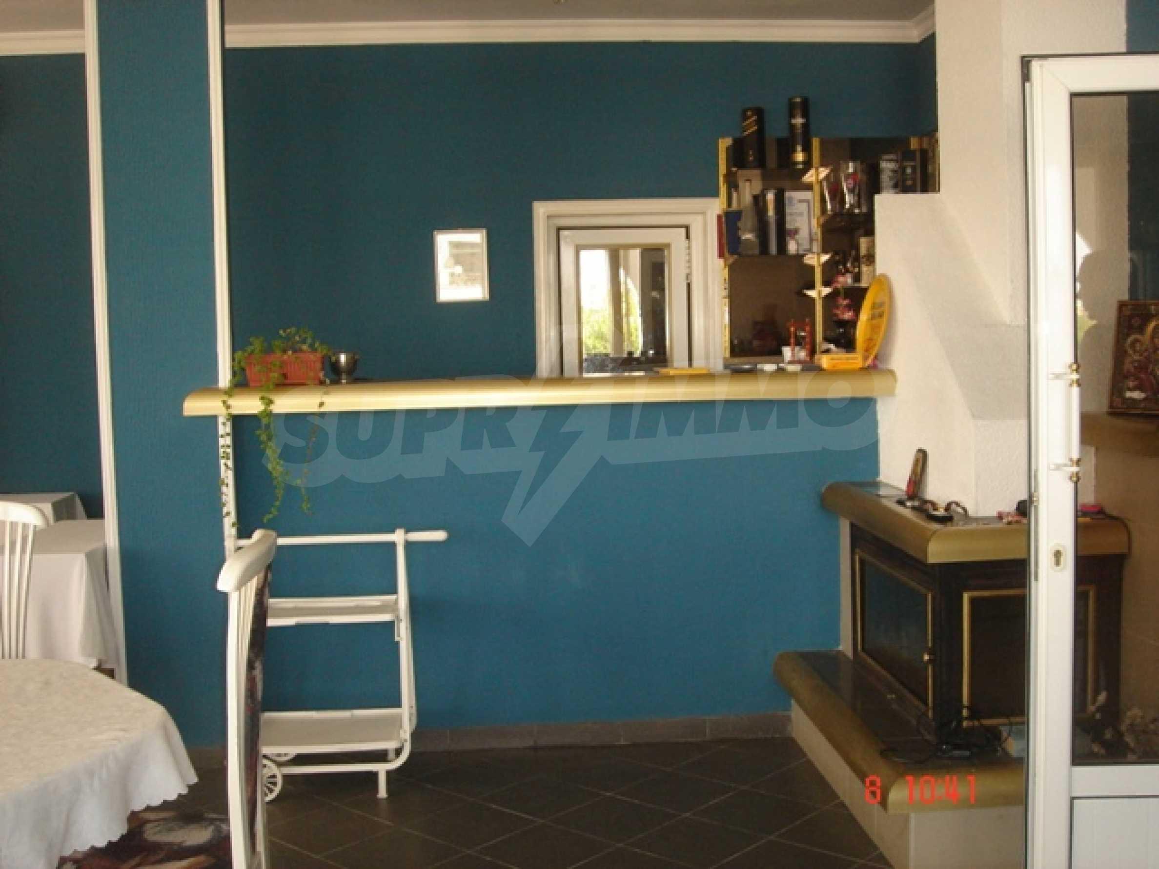 Хотел Елена 28